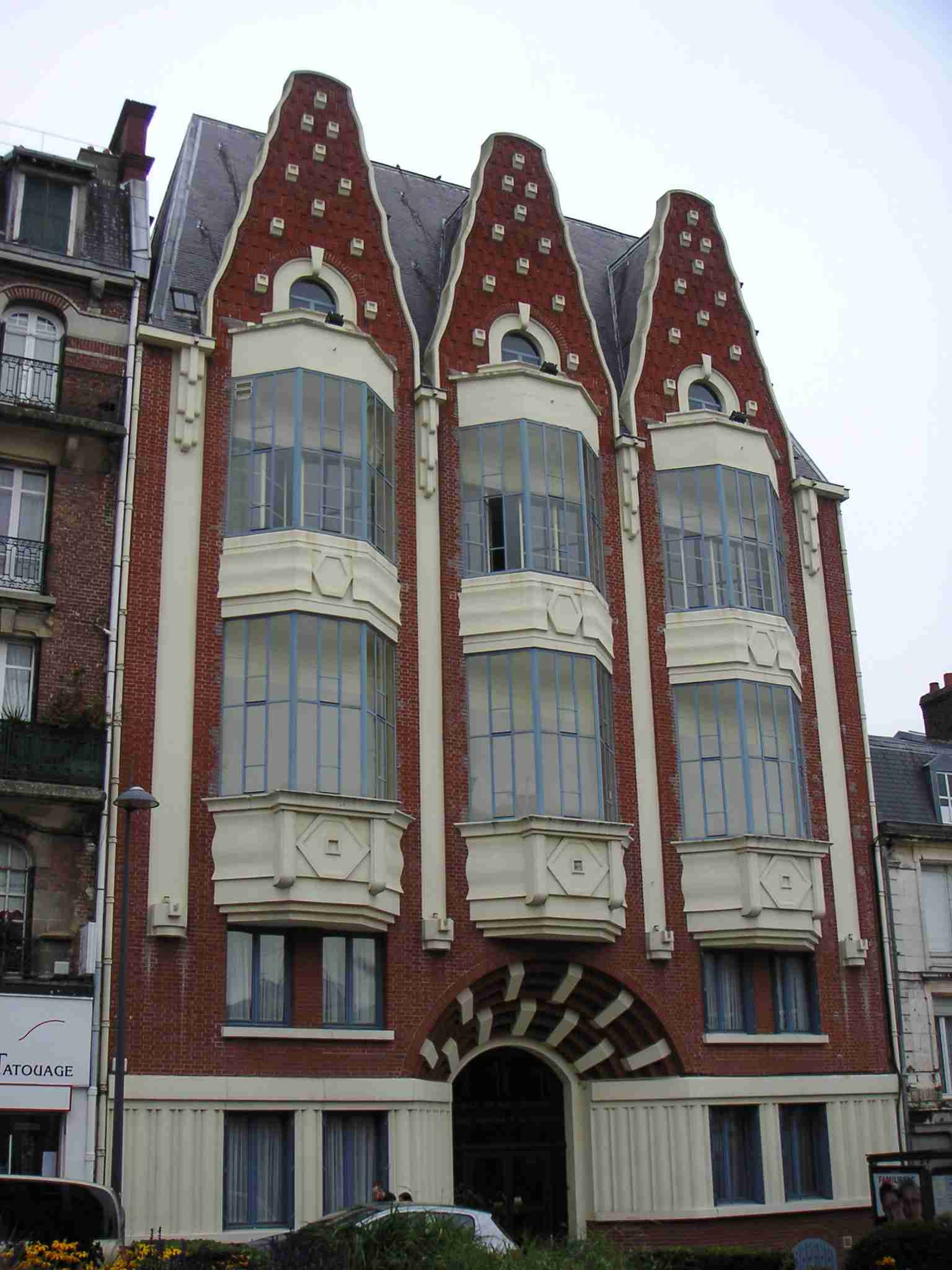 File oriel saint quentinois jpg wikimedia commons for Maison de l emploi saint quentin