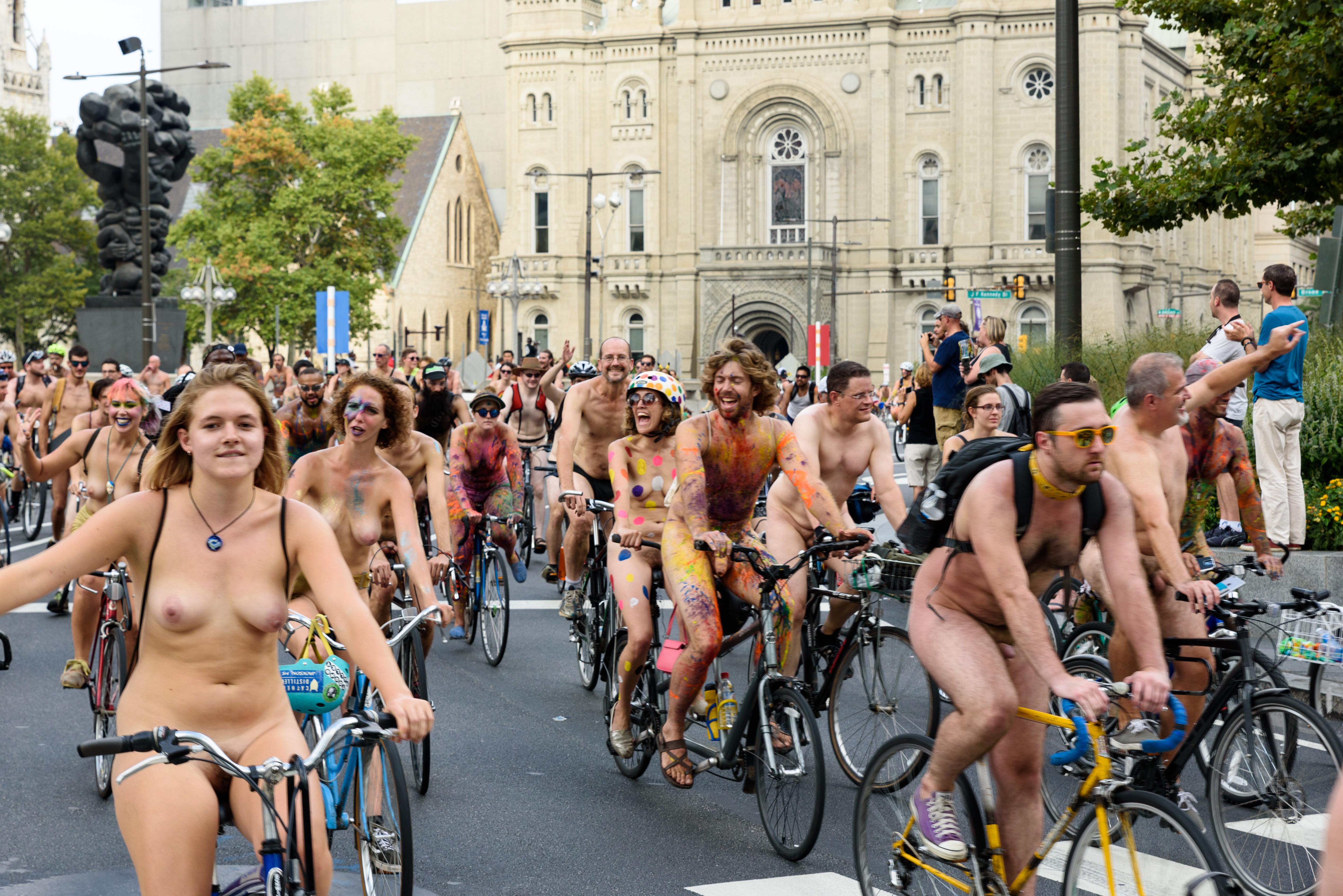 Photobombing The Naked Bike Ride Is Philly's New Wedding Tradition