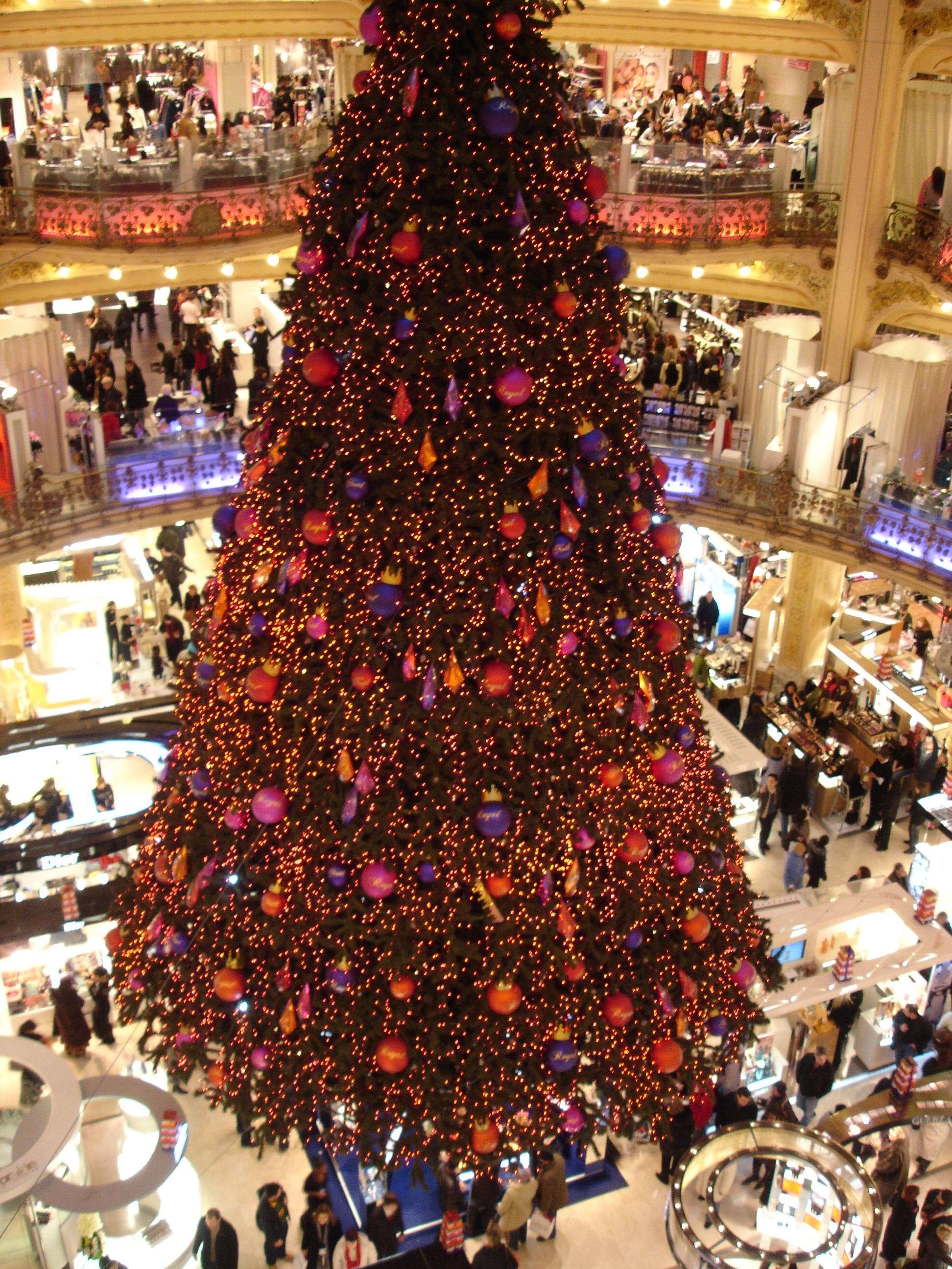 #A83923 File:Paris Galeries Lafayettes Sapin De Noel2 2005 11 28  6926 Deco De Noel Galerie Lafayette 1944x2592 px @ aertt.com
