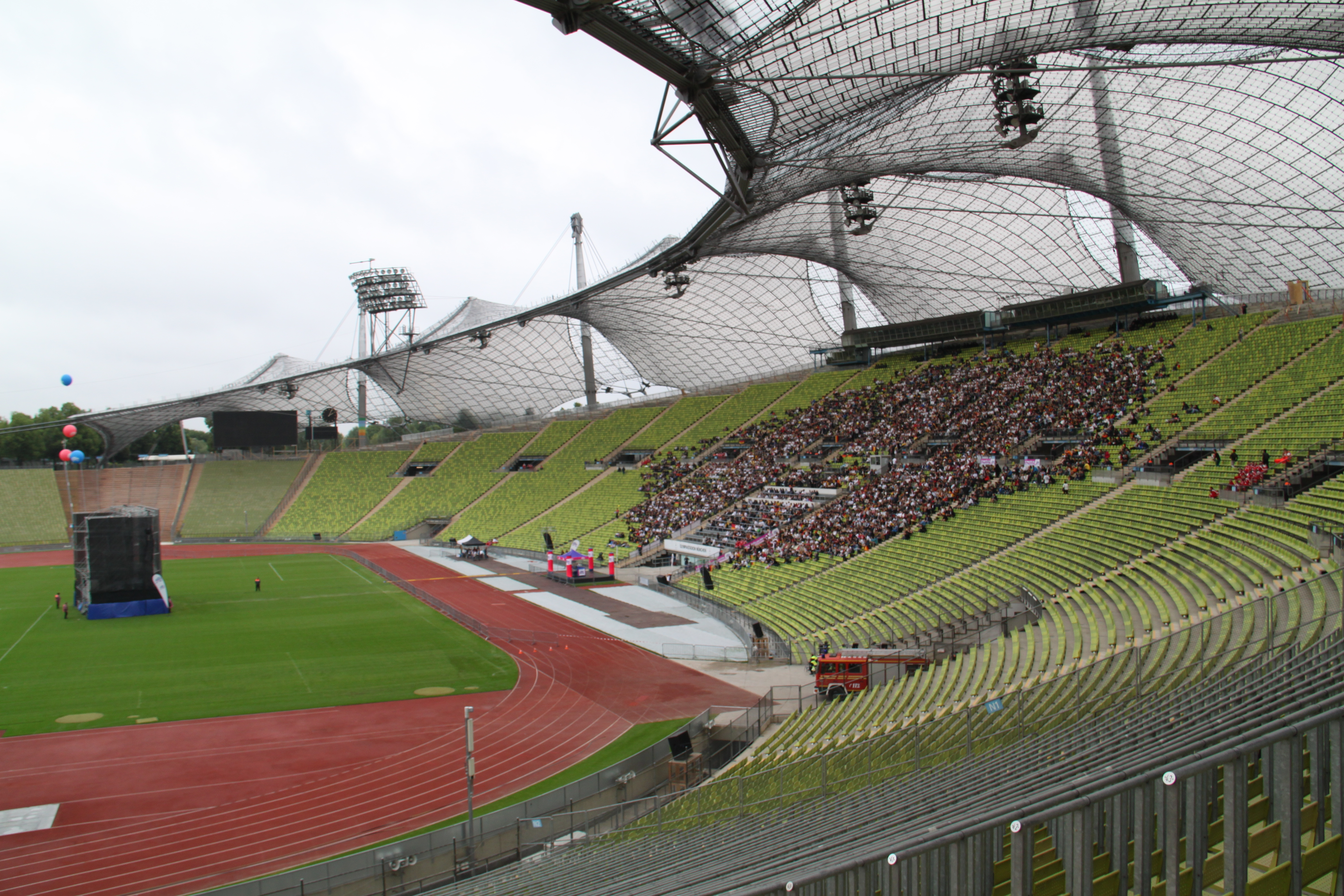File Public Viewing Olympiastadion Muenchen Jpg Wikimedia Commons
