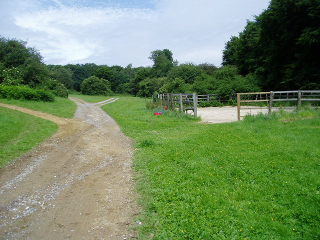 Public footpath 2188-1 - geograph.org.uk - 859011