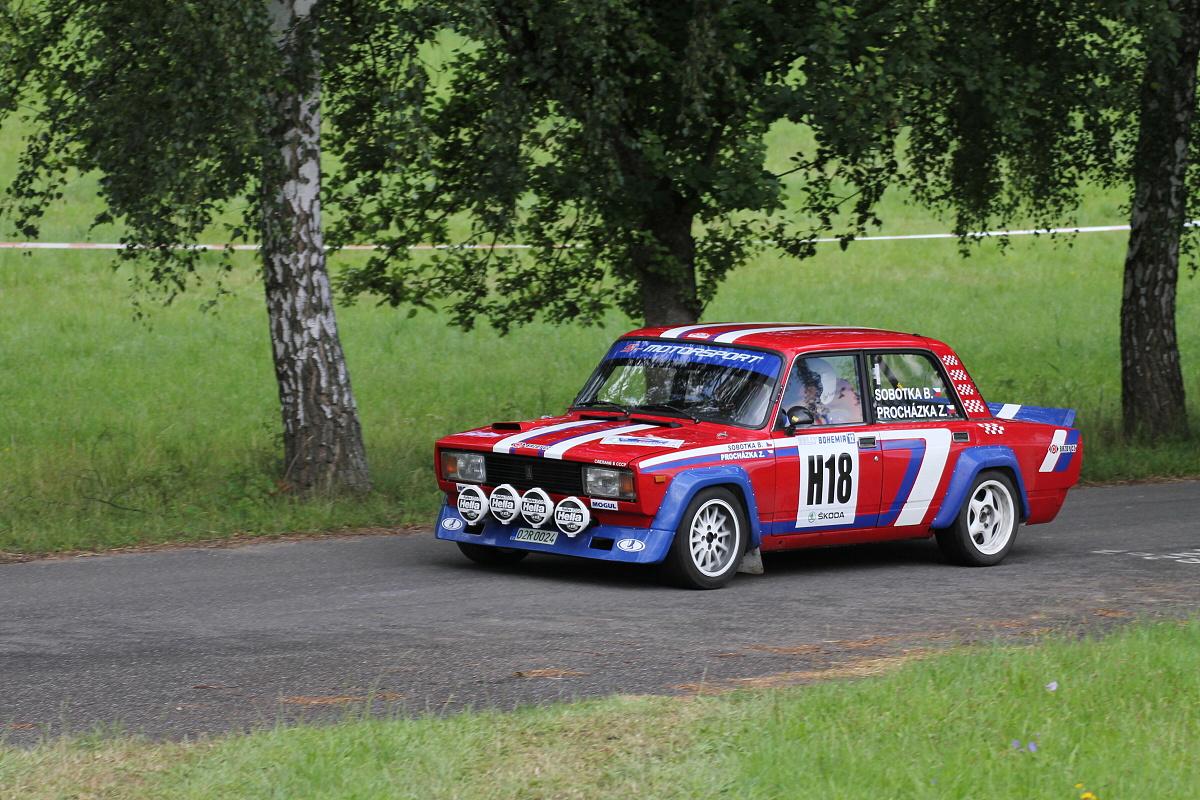 File:Rally Bohemia 2012 (historic show, SS18 Sychrov) - Lada VFTS 02 ...