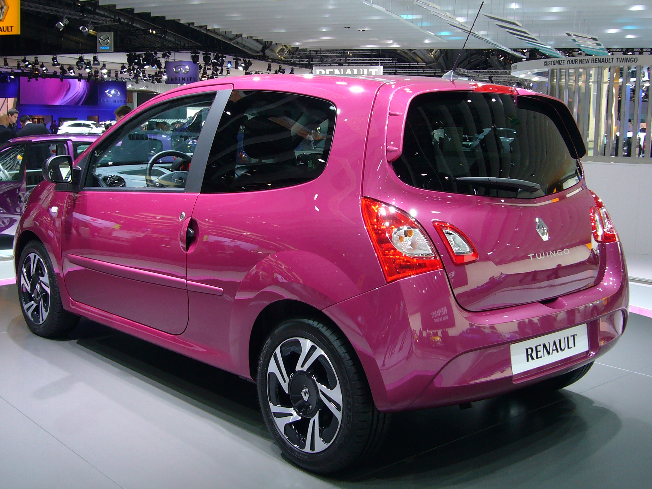 file renault twingo phase ii rear quarter jpg wikimedia commons. Black Bedroom Furniture Sets. Home Design Ideas