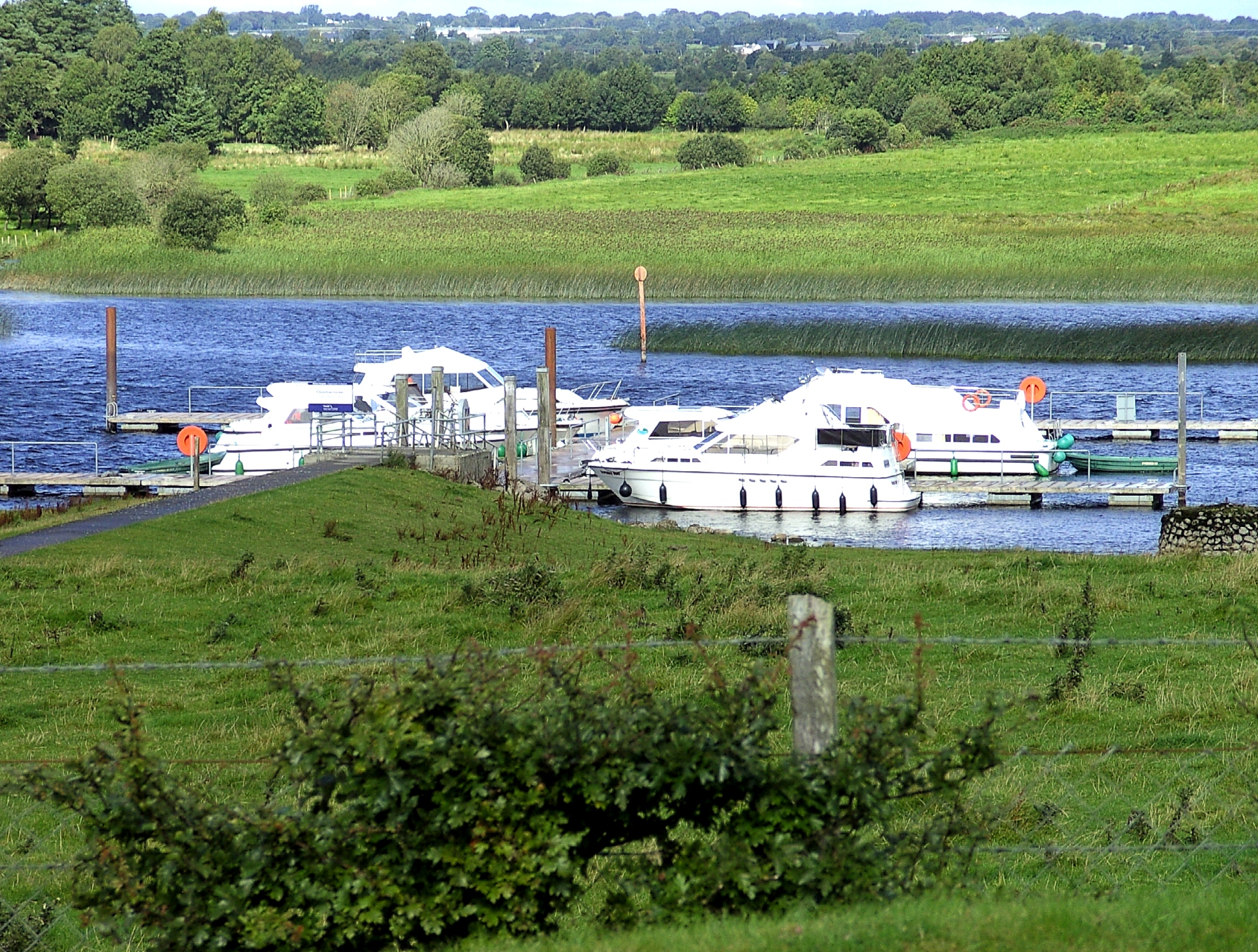 File:River Shannon in Ireland.JPG  Wikimedia Commons