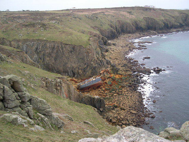 Rotting Hulk - geograph.org.uk - 410890