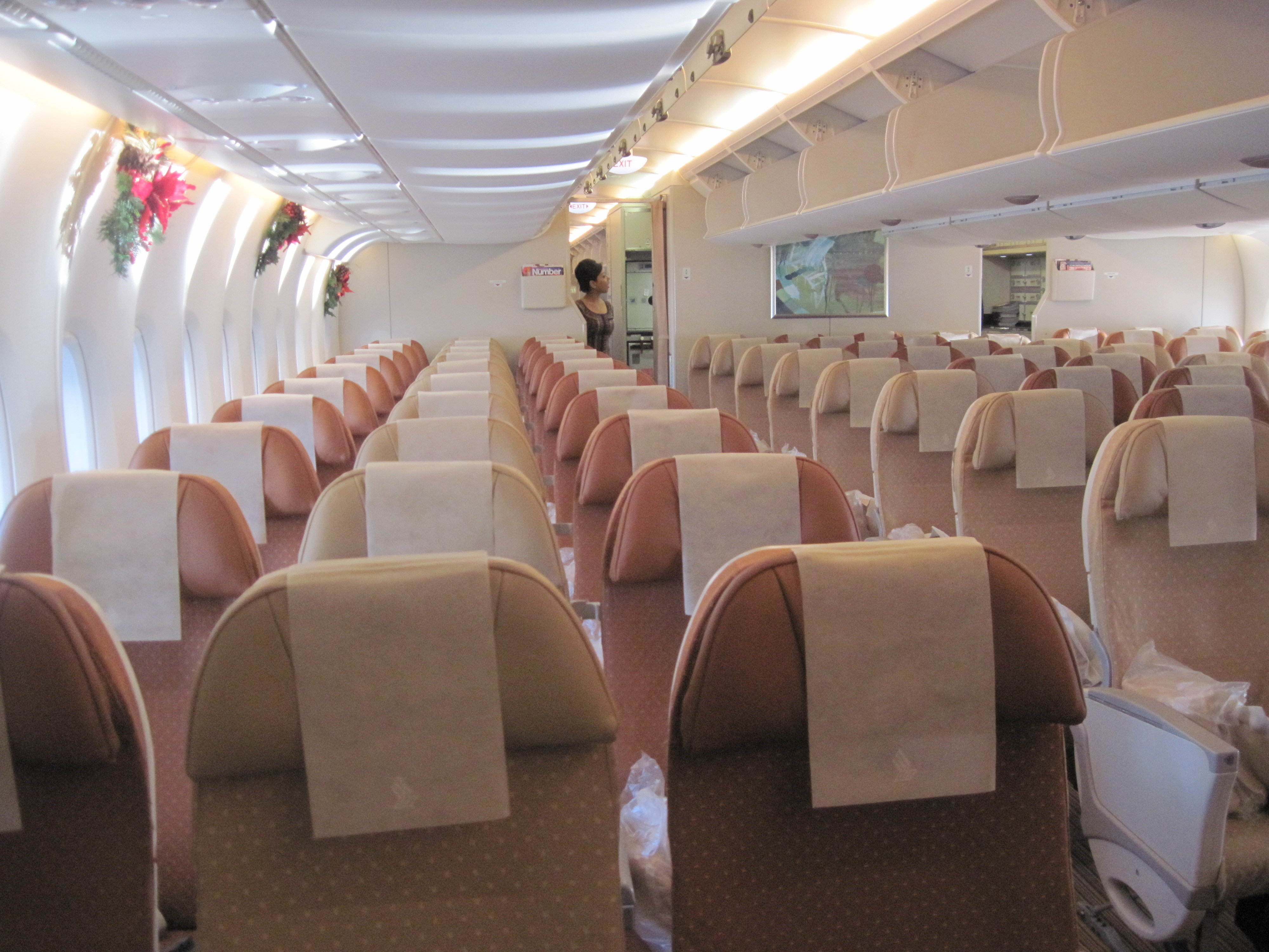 File Singapore Airlines A380 Interior Economy Jpg Wikimedia Commons