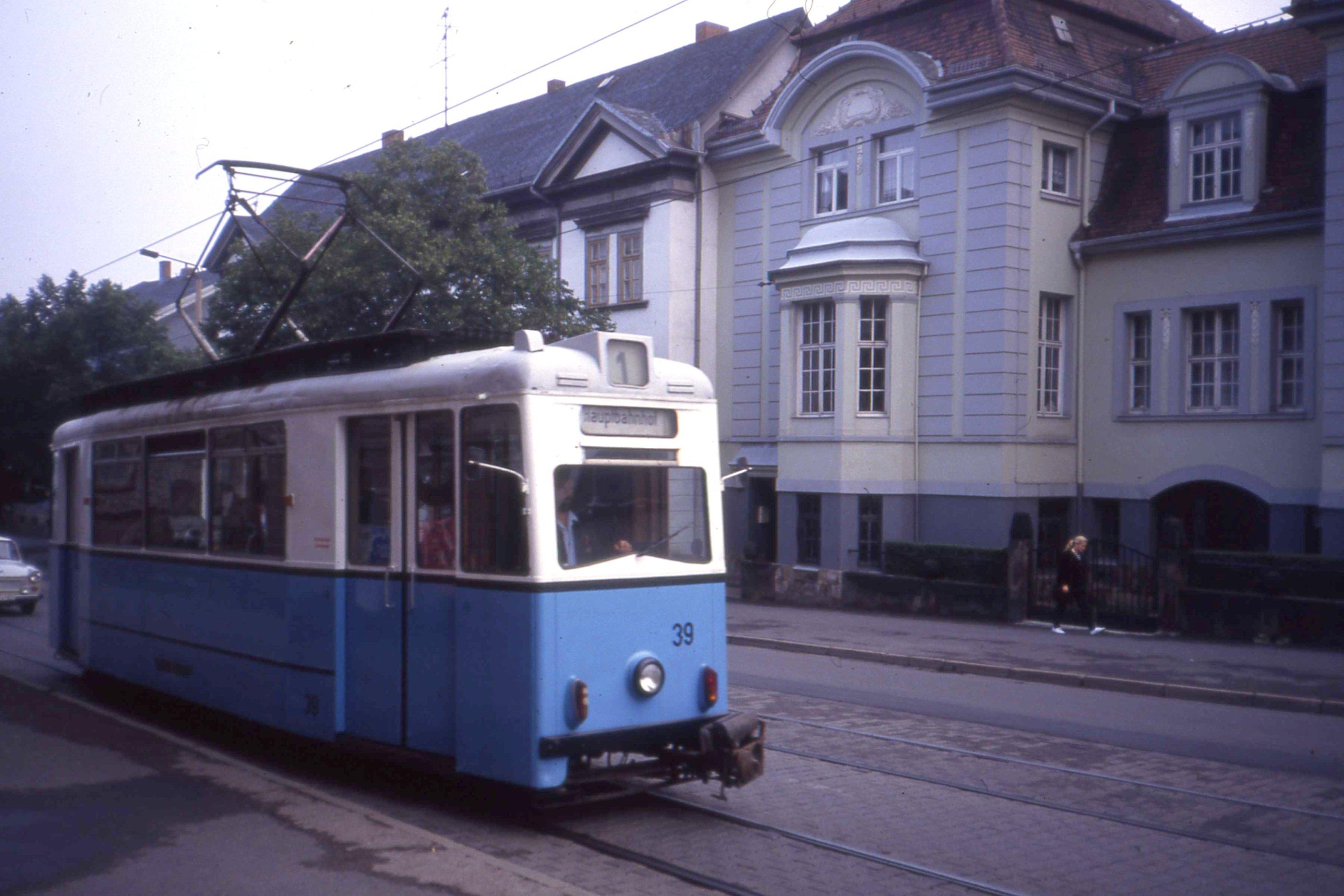 Straßenbahn Gotha Aug 1991. Gotha ET55 Triebwagen nr 39, Linie 1, Bahnhofstraße Gotha Germany. - Flickr - sludgegulper.jpg