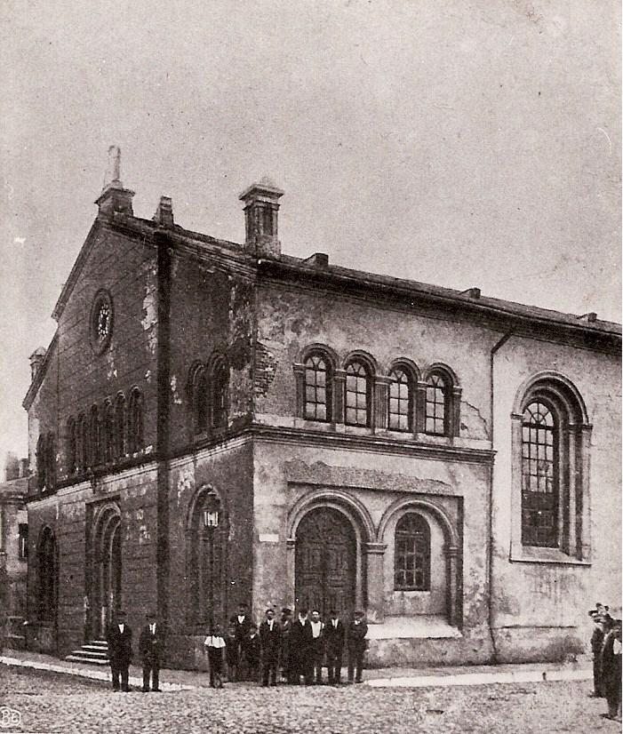 https://upload.wikimedia.org/wikipedia/commons/3/3b/Synagoga_w_TM.jpg