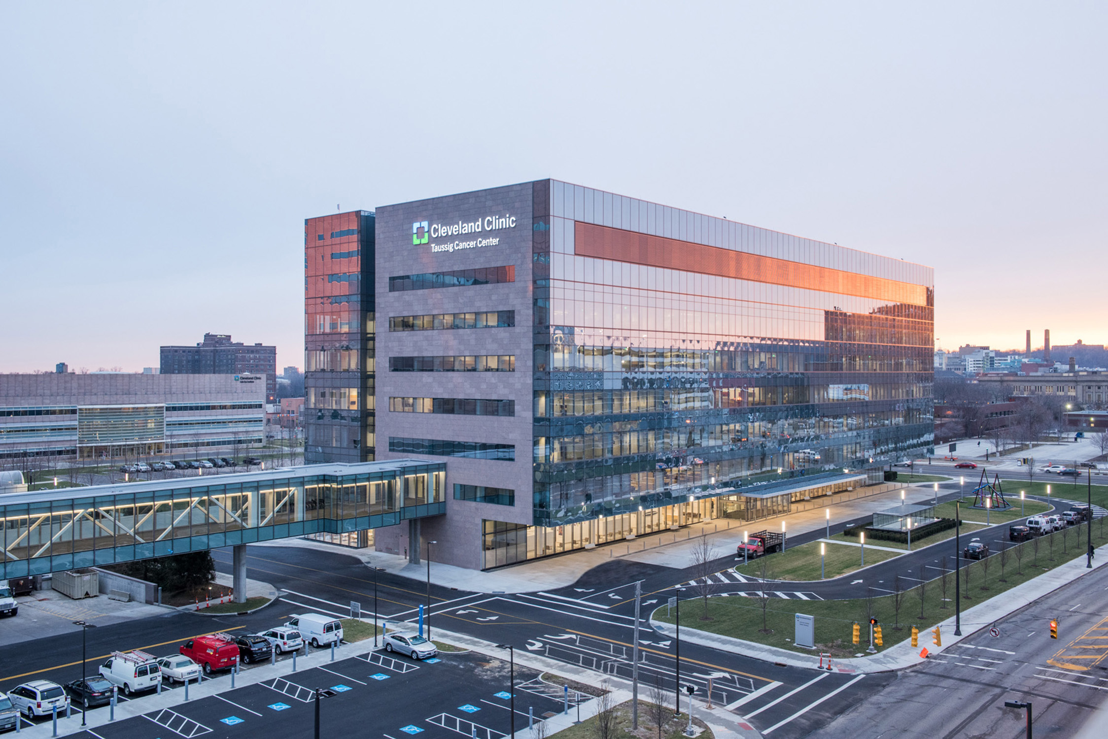 cleveland clininic This secure portal connects you to your cleveland clinic healthcare team and important information from your electronic medical record, 24/7 contact your doctor's office get answers to your medical questions from the comfort of your own home.