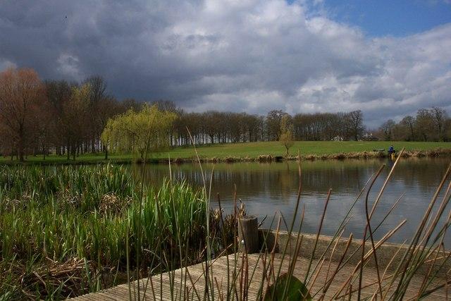 The Lake at Buscot Park - geograph.org.uk - 459451