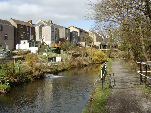 The Swansea Canal at Trebanos - geograph.org.uk - 1212802
