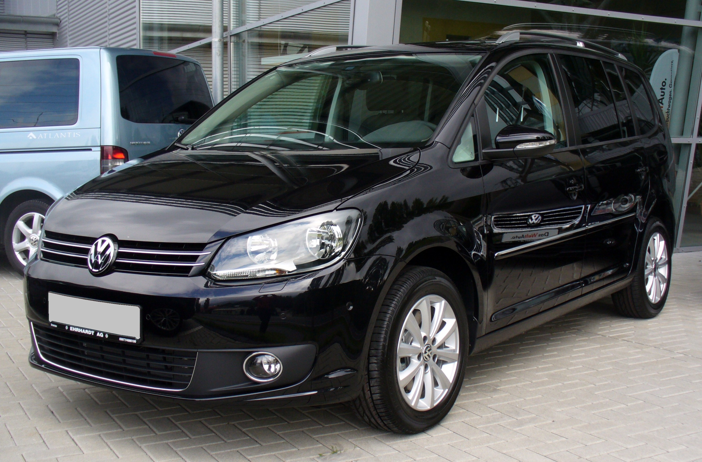 File Vw Touran Facelift 2010 2 0 Tdi Deep Black Jpg