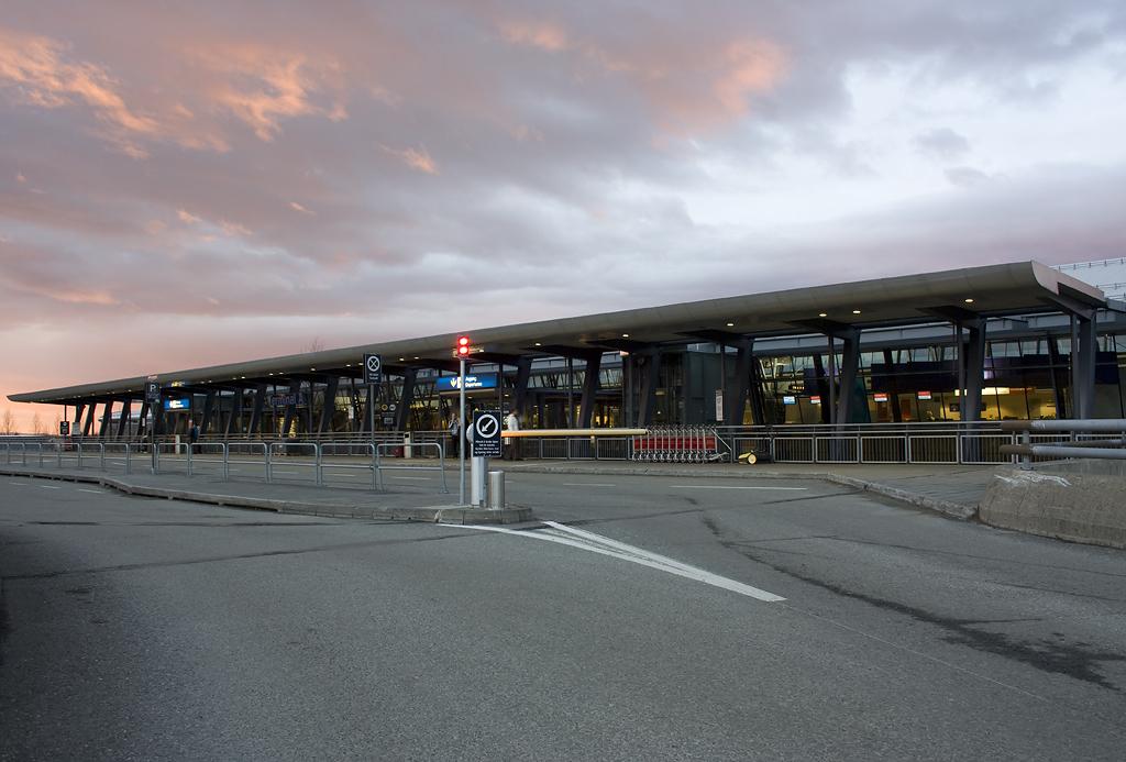 Hotels Alesund Airport