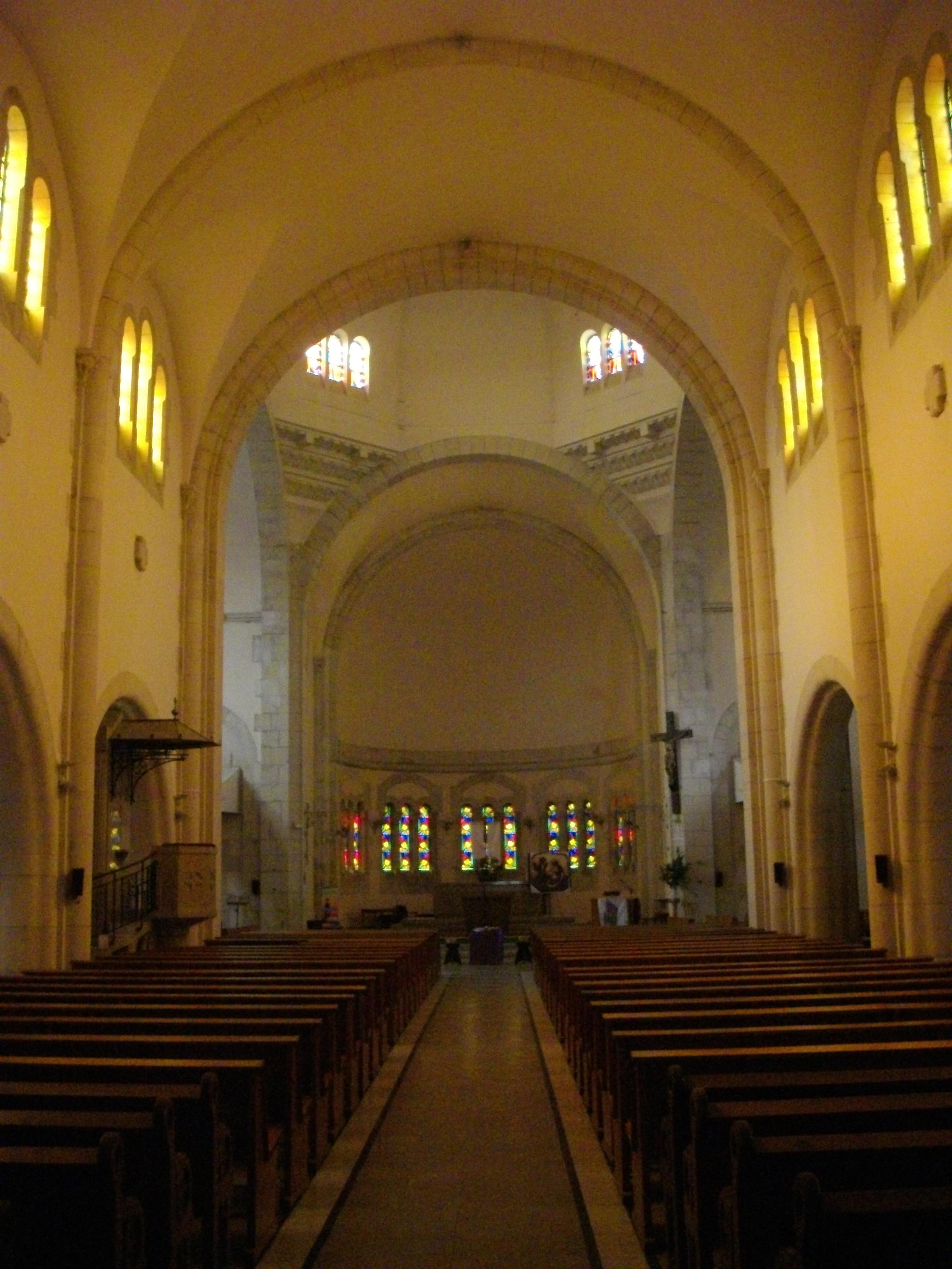 File verdun glise saint sauveur int rieur 1 jpg for Interieur eglise