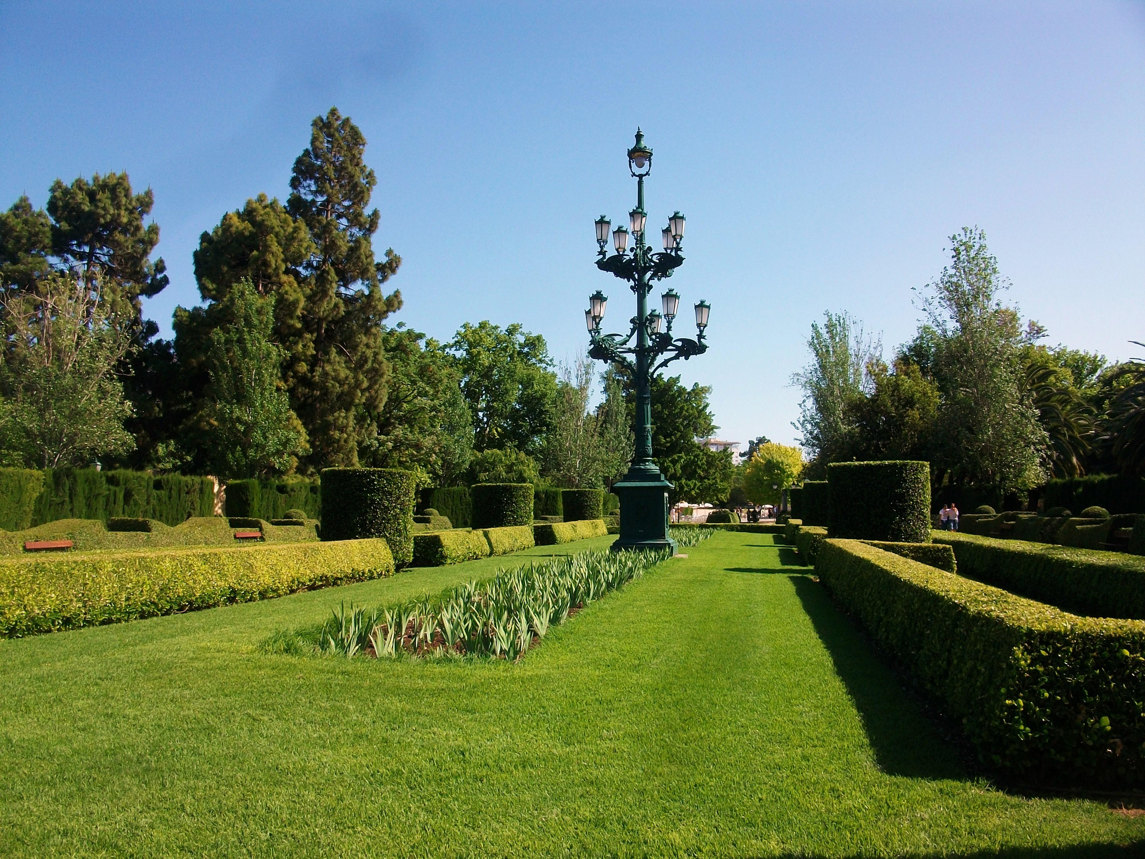 Los 5 mejores dise os de jardines de espa a greenthia for Viveros de arboles en madrid