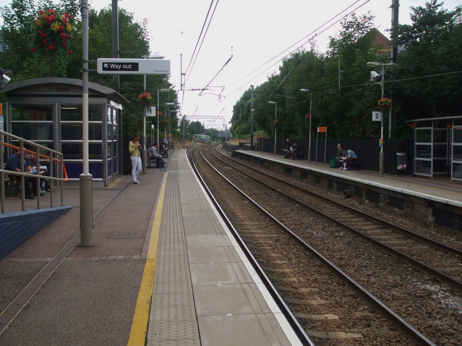 File:West Hampstead (Overground) stn look west.JPG - Wikimedia Commons