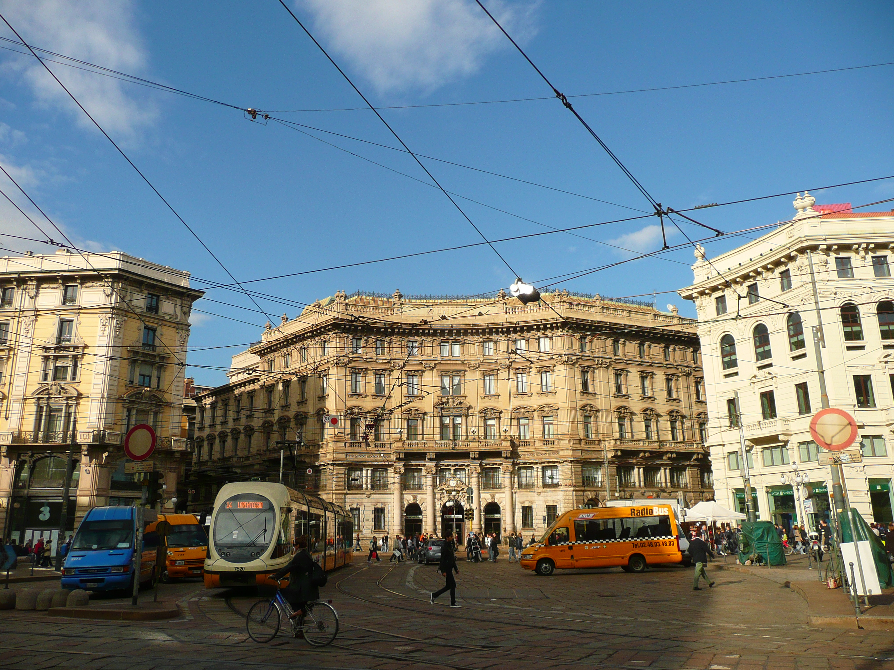 File:Wires - panoramio - paolo dagani.jpg - Wikimedia Commons