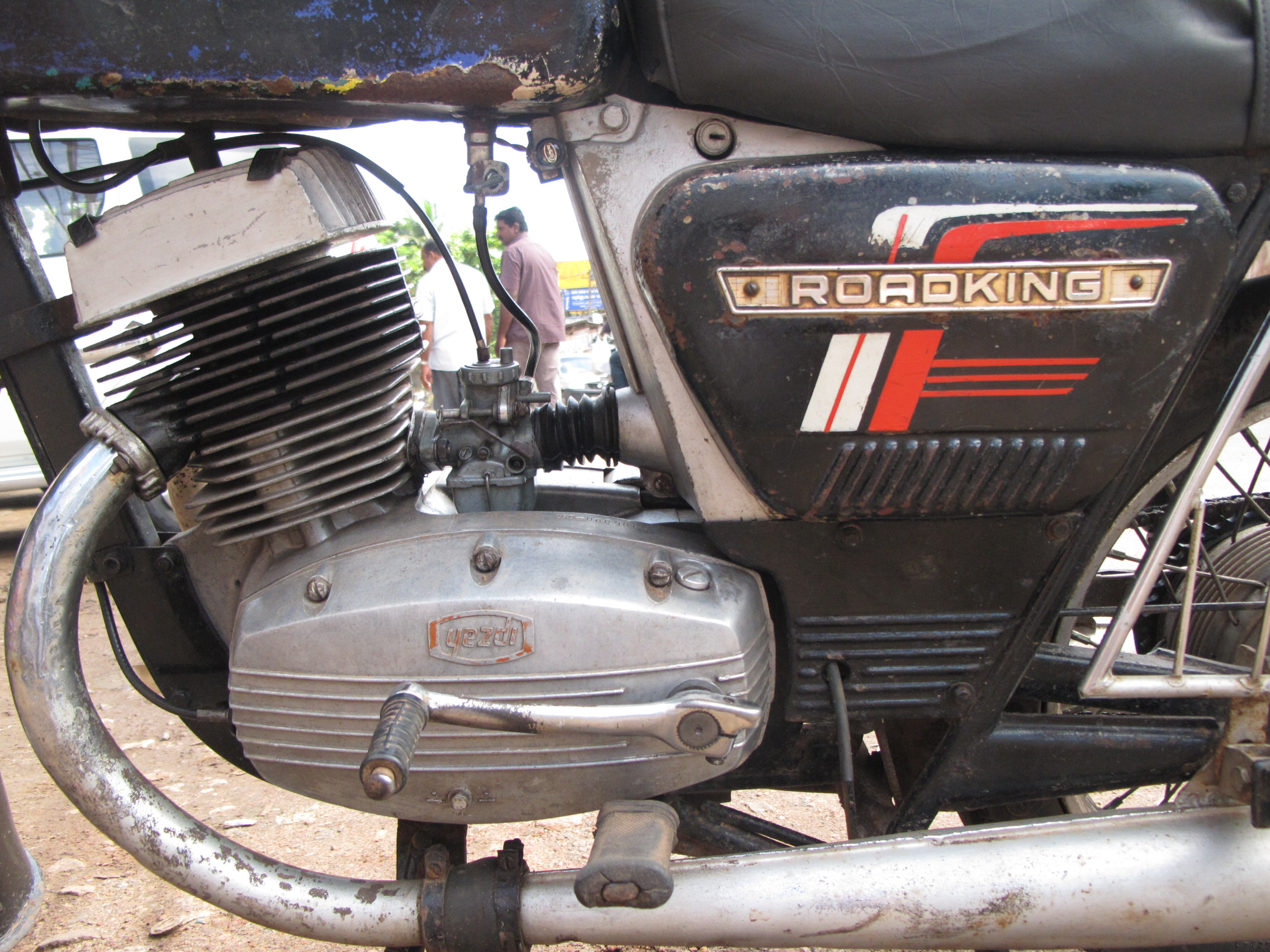 Description Yezdi Roadking 2 two stroke engine closeup. two-wheeler ...