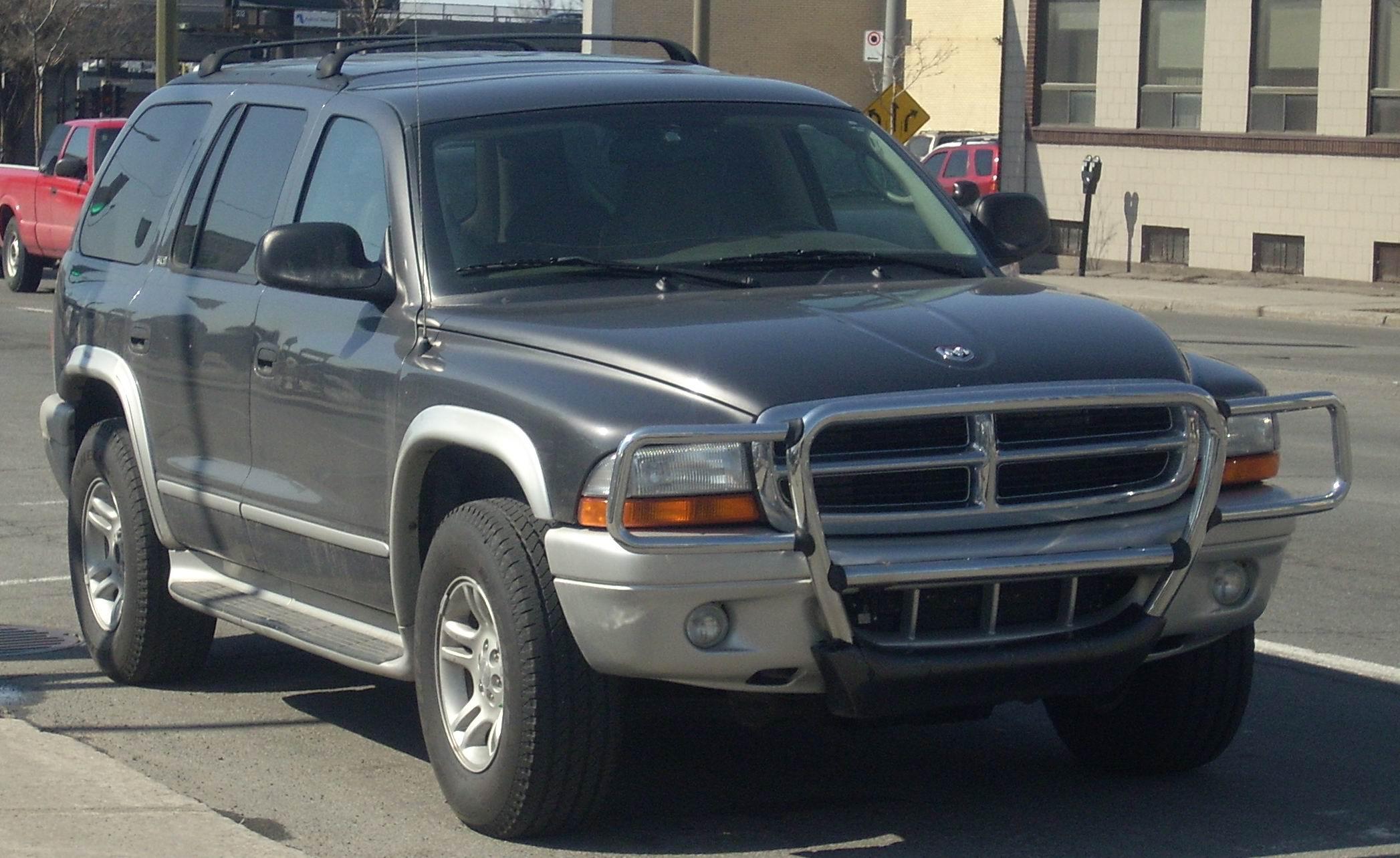 File:'01-'03 Dodge Durango SLT.JPG - Wikimedia Commons