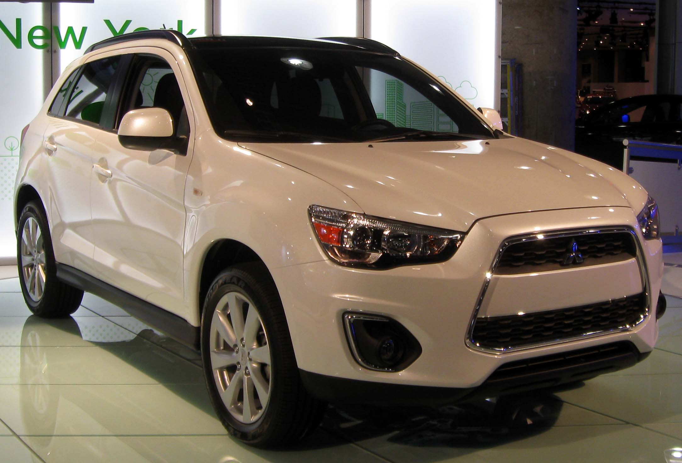 Description 2013 Mitsubishi Outlander Sport -- 2012 NYIAS.JPG