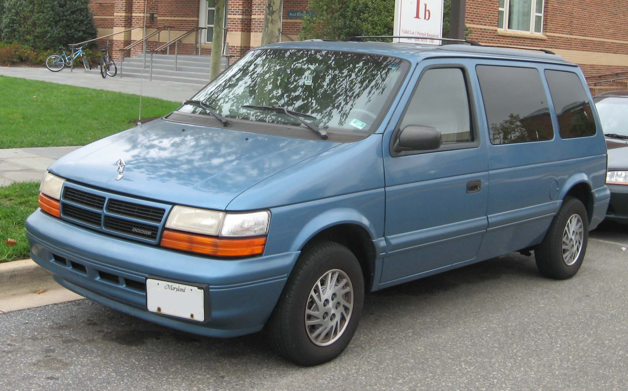 1991 plymouth voyager blue with File 2nd Dodge Caravan on 1996 Jeep Grand Cherokee Radio Wiring Diagram besides autorepairinstructions moreover File 2nd Dodge Caravan as well 2000 Jaguar S Type How To Fill New Transmission With Fluid in addition Lincoln Ls Accessories.