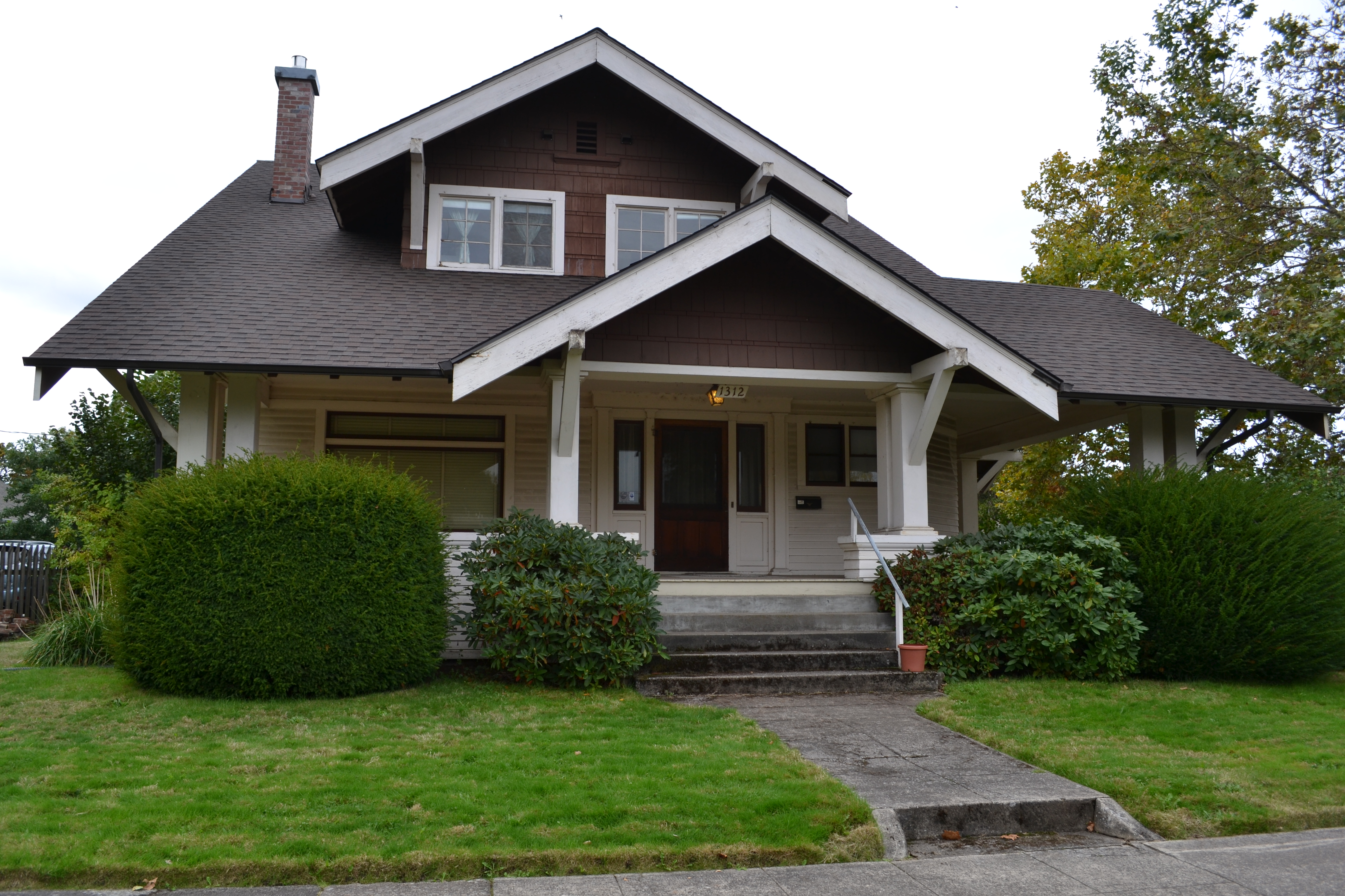 File abraham and phoebe ball house eugene oregon jpg for Building a home in oregon