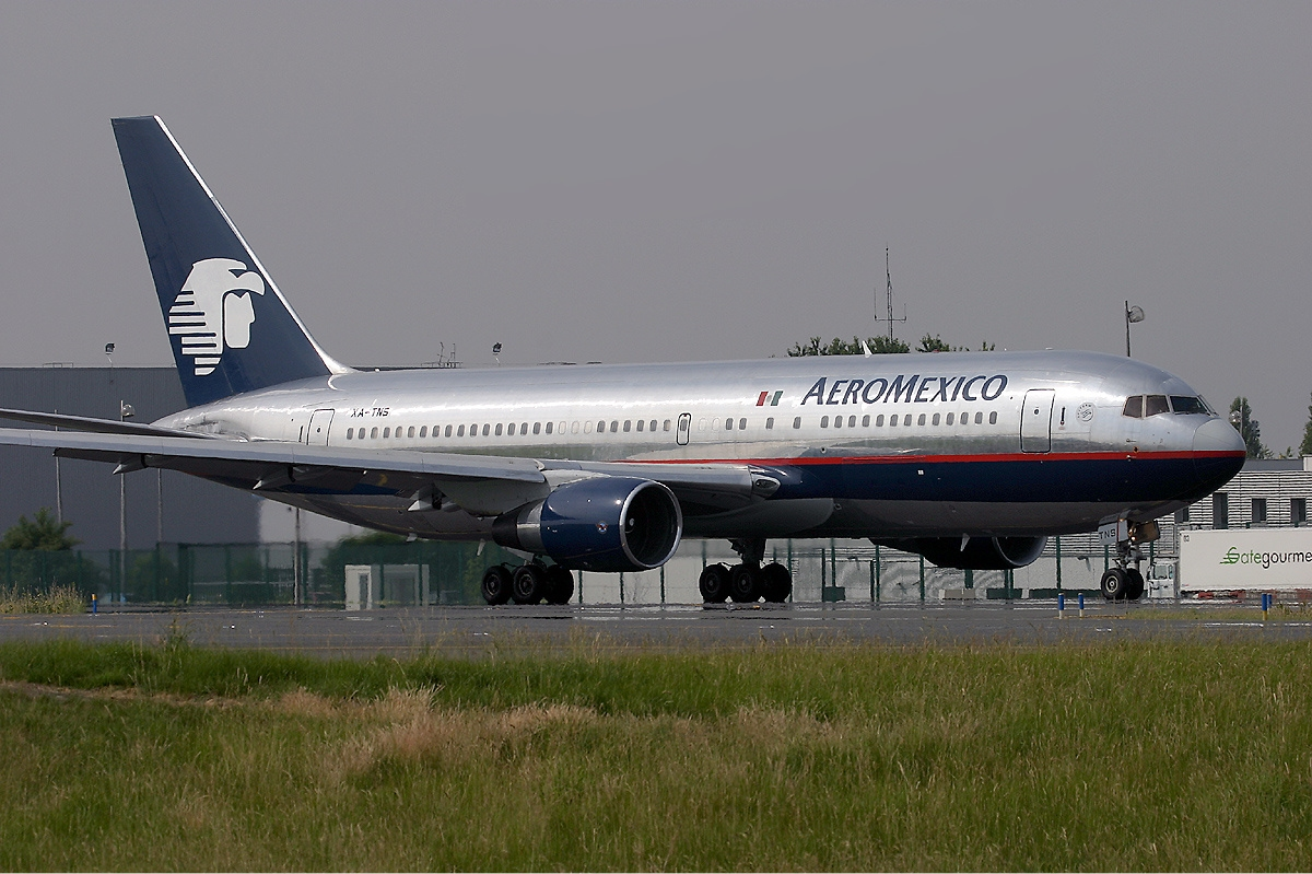 File:Aeromexico Boeing 767-200ER KvW.jpg - Wikimedia Commons