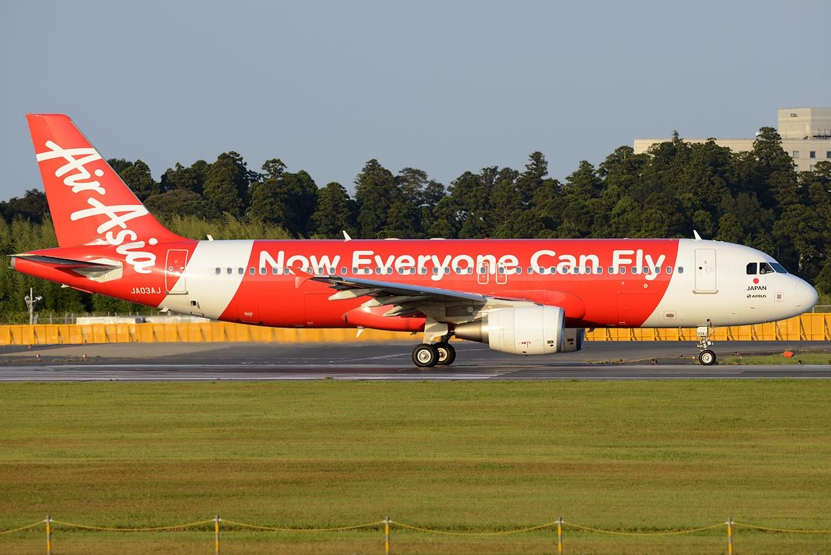 File:Airbus A320-216, AirAsia Japan AN2328911.jpg - Wikimedia Commons