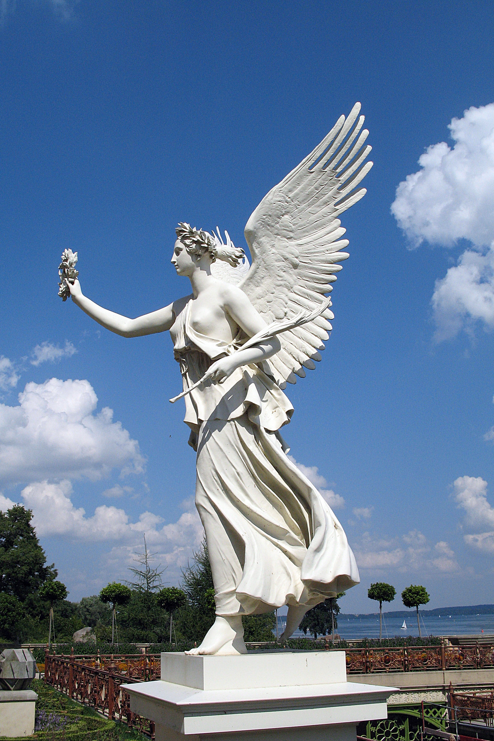 Http Commons Wikimedia Org Wiki File Angel Statue 2704391294 Jpg