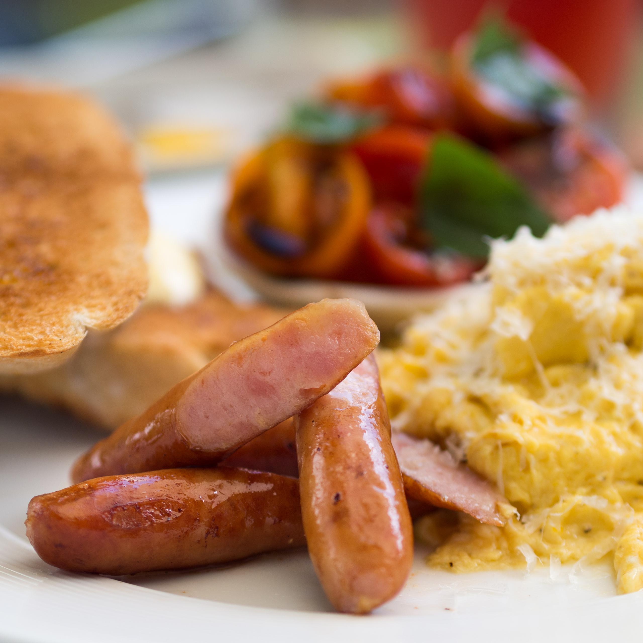 File:Arabiki sausages scrambled eggs Chiang Mai.jpg - Wikimedia Commons