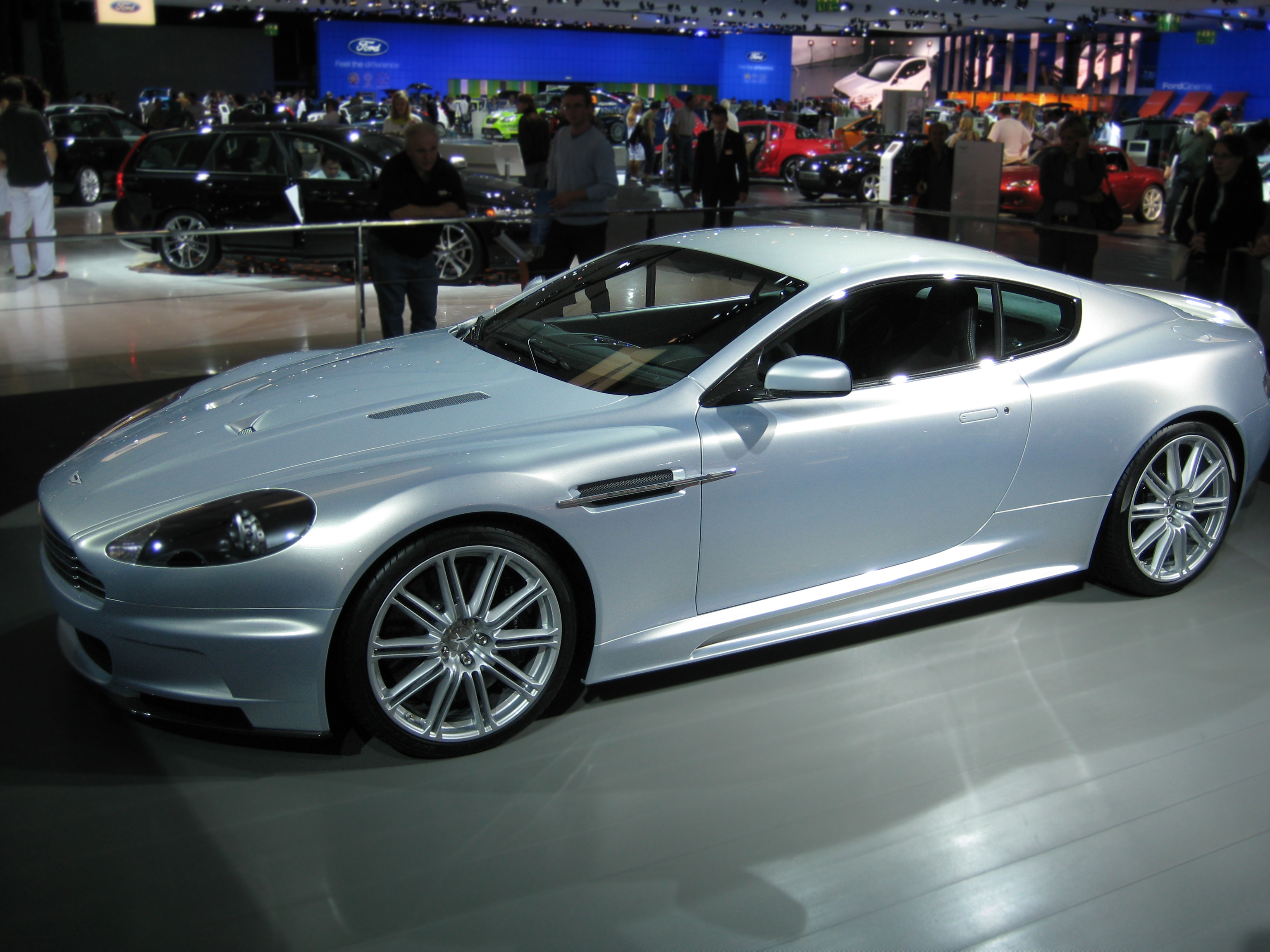 file aston martin dbs wikimedia commons. Black Bedroom Furniture Sets. Home Design Ideas