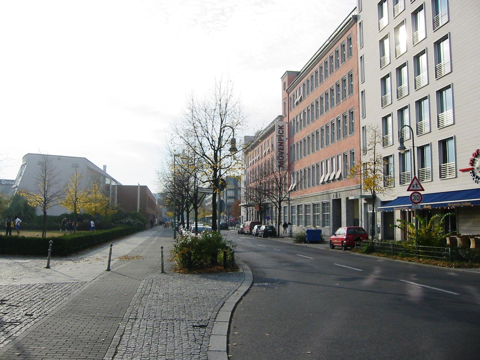 Datei:Berlin-Kreuzberg Schöneberger Straße.jpg – Wikipedia