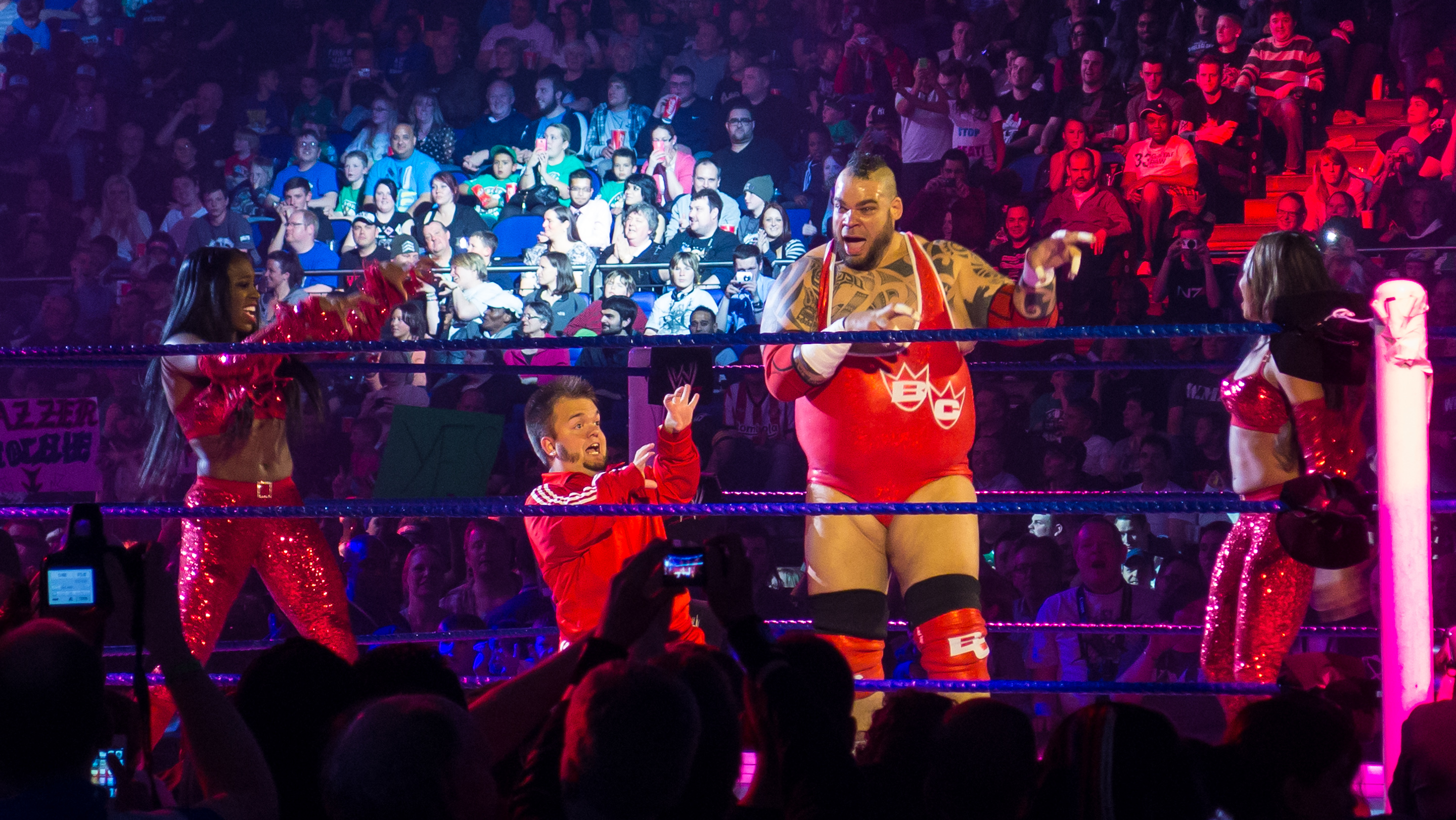 file brodus clay and hornswoggle at smackdown taping in london 17th