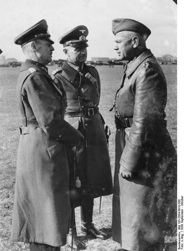 Ο διοικητής της Ομάδας Στρατιών με τους διοικητές της 10ης και της 8ης Στρατιάς