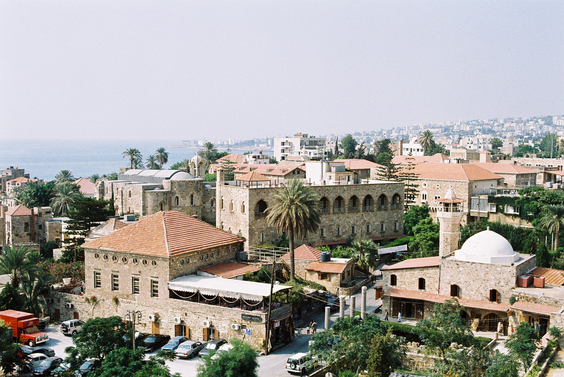 Države po abecedi u slici Byblos_Libanon_2003