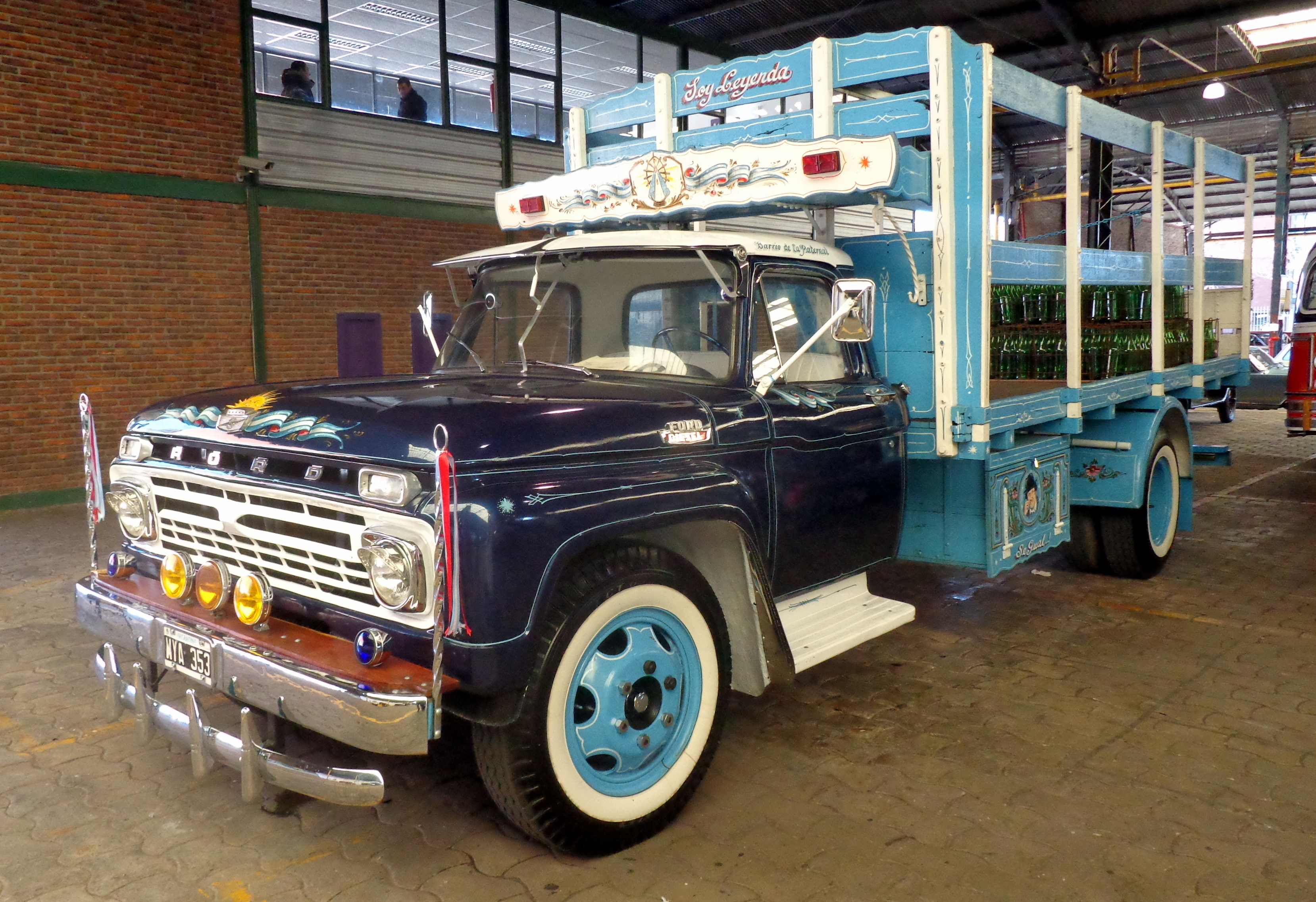 Archivo:Camión Ford F 600 fileteado 1.JPG - Wikipedia, la ...
