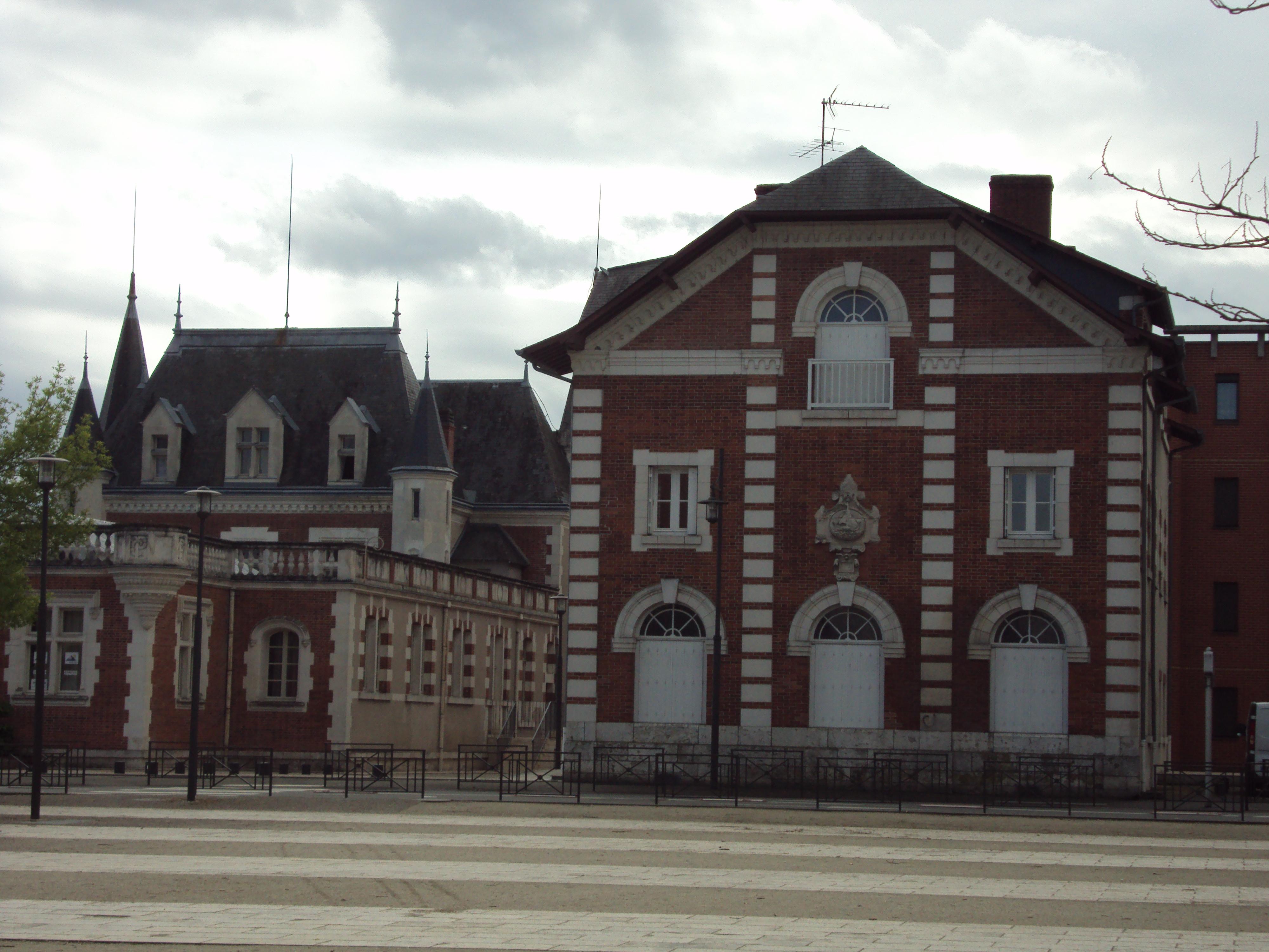 Constructeur Maison En Bois Loir Et Cher ancienne chocolaterie poulain de blois — wikipédia