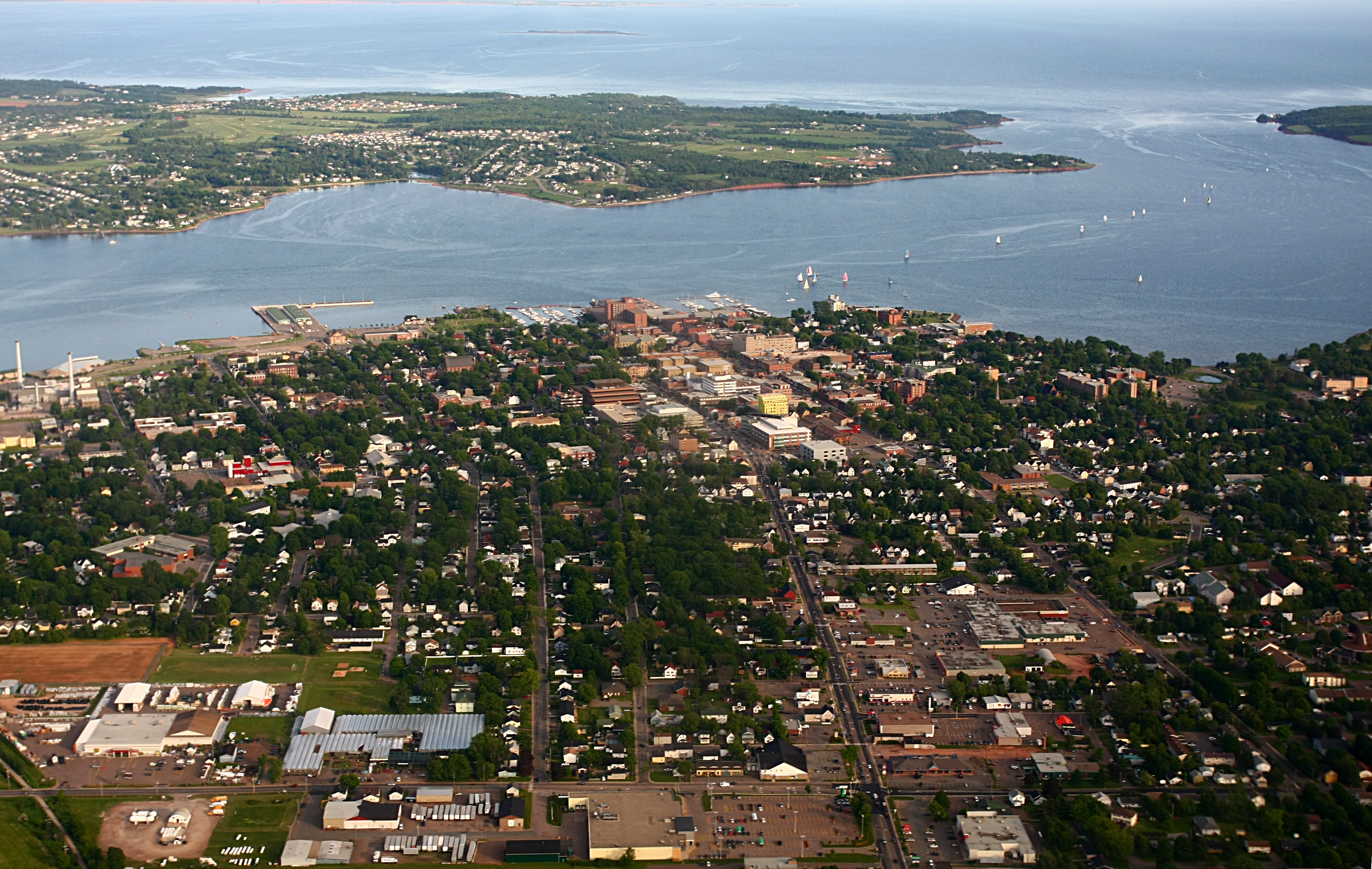Charlottetown (PE) Canada  City pictures : Charlottetown Stratford aerial Wikimedia Commons