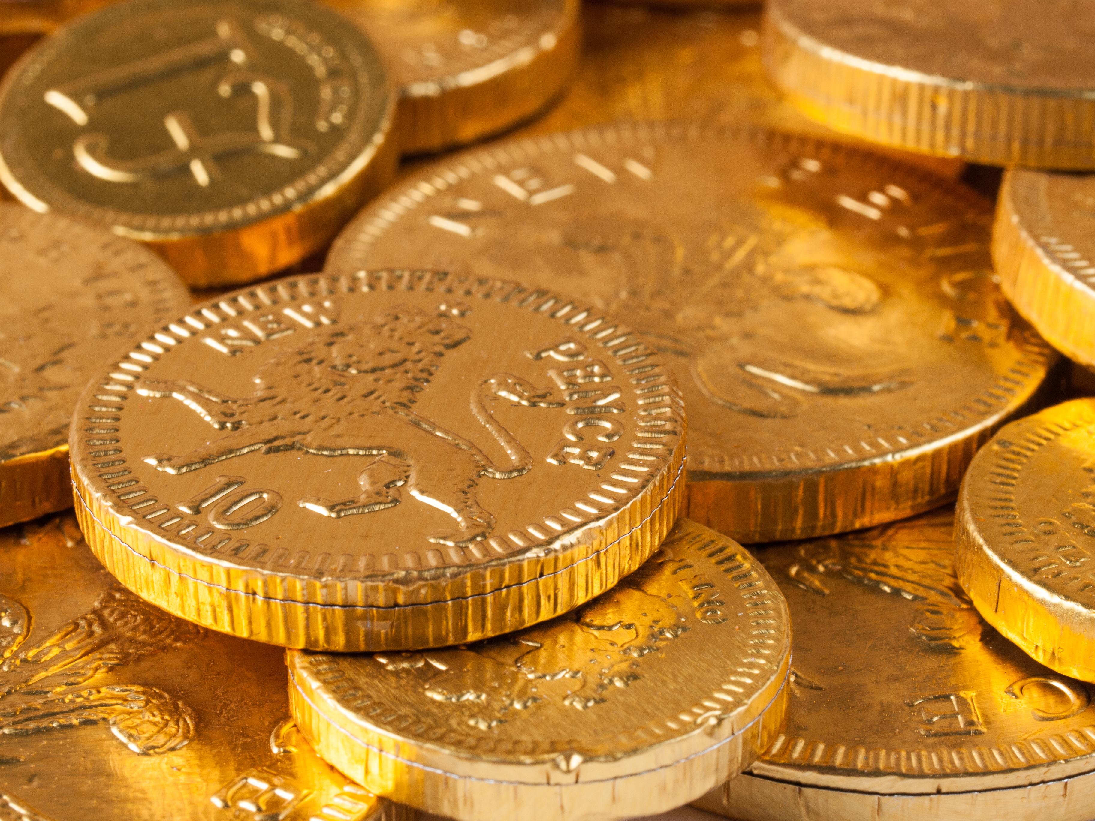 File:Chocolate Coins (11734232374).jpg - Wikimedia Commons