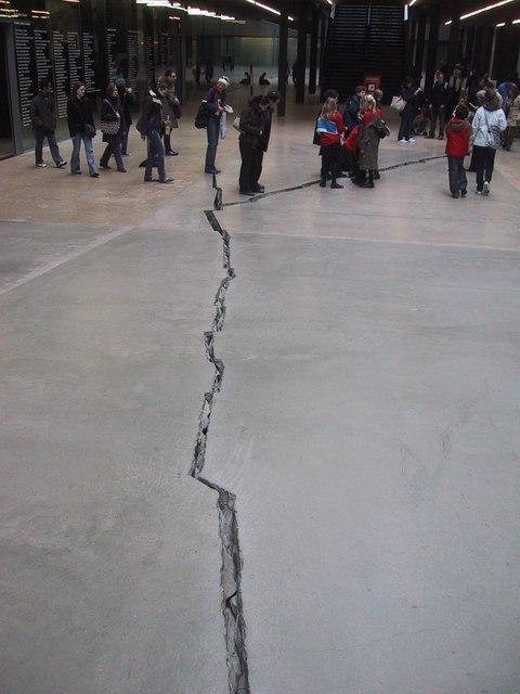 Tate Crack