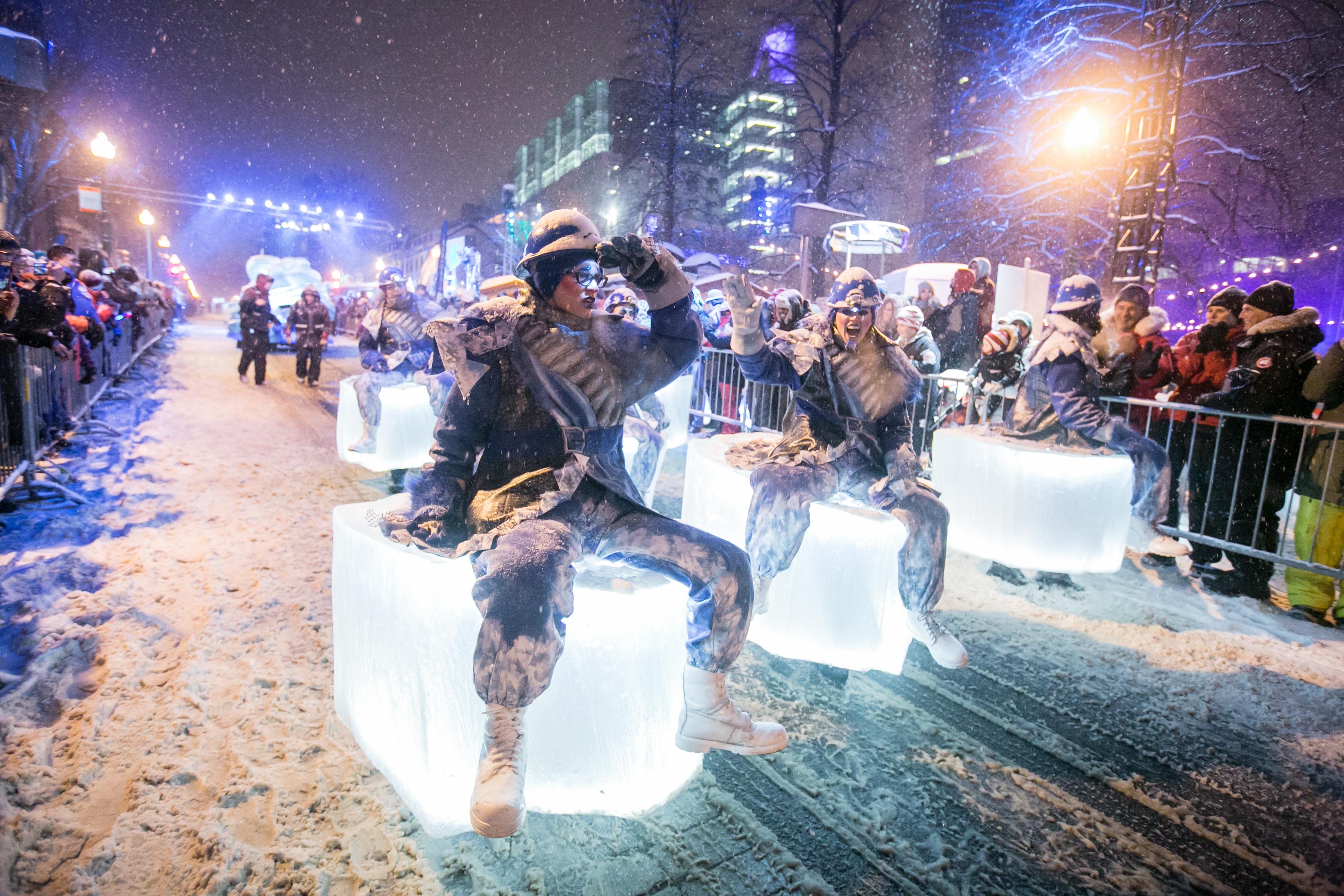 File:Défilé de nuit - Carnaval de Québec.jpg - Wikimedia Commons