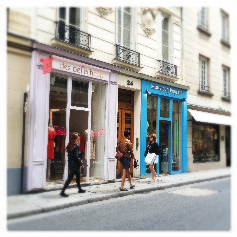 File des petits hauts monsieur poulet rue de s vign paris - Des petits hauts paris ...