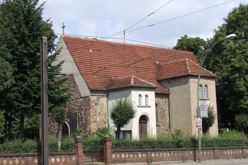 Dorfkirche Hohenschönhausen 04.jpg