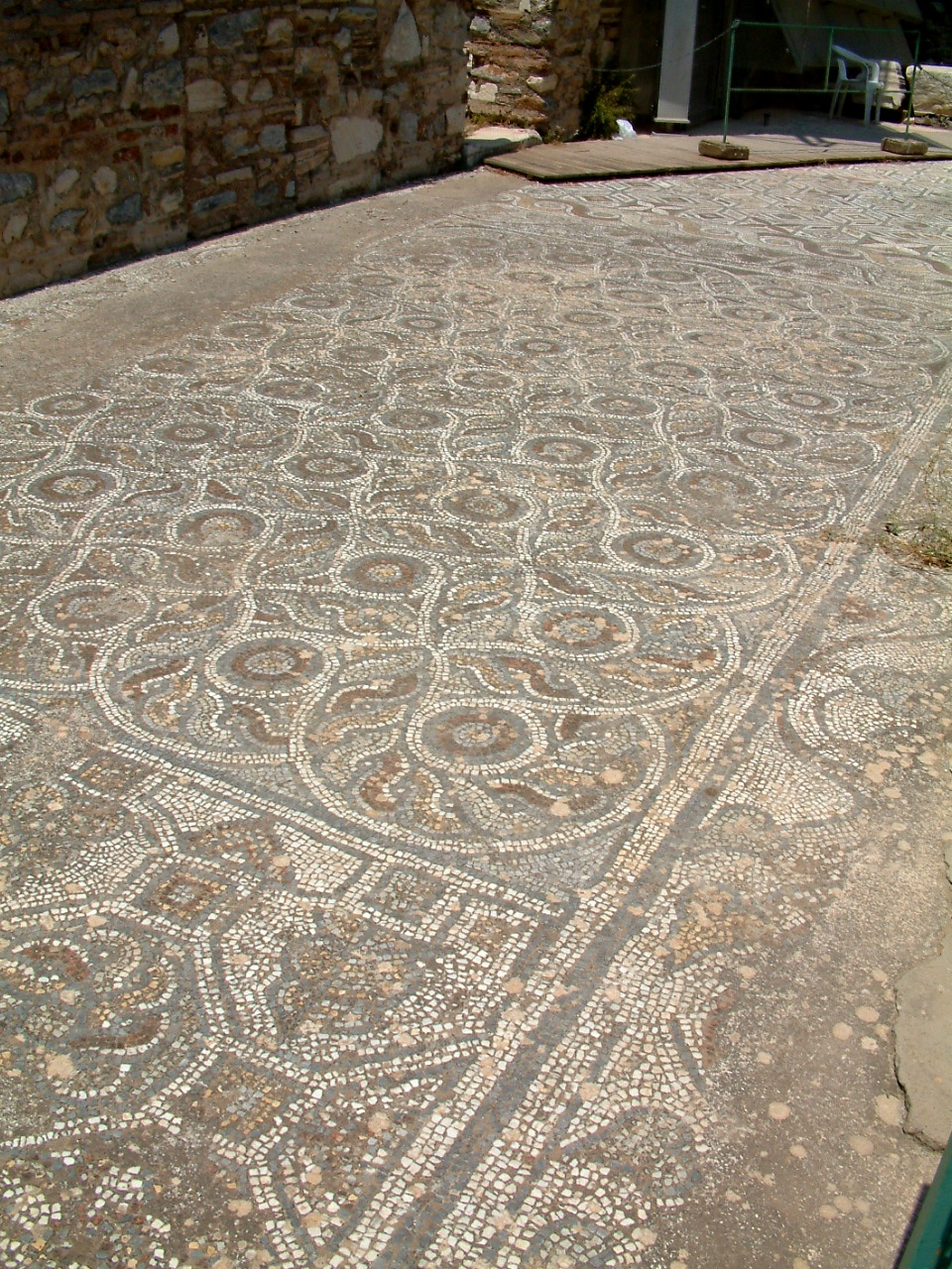 Storia del mosaico wikipedia for Pavimento con mosaico