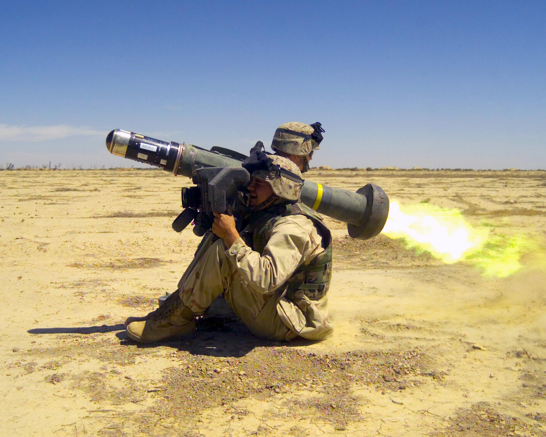 """العراق يملك صواريخ """" جافلين """" المضاده للدروع !!! FGM-148_Javelin_-_ID_DM-SD-04-07567"""