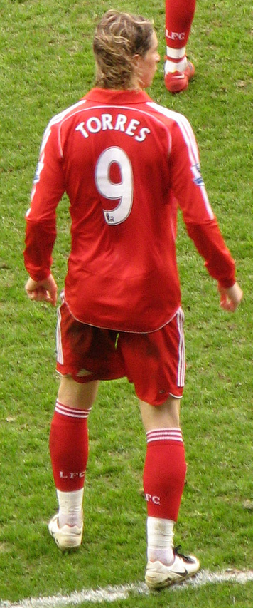 Torres playing for Liverpool in 2008 d5105e798
