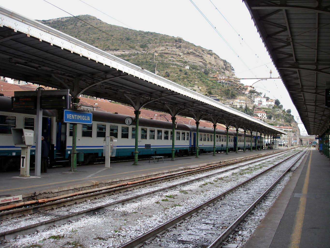ventimiglia railway station wikipedia. Black Bedroom Furniture Sets. Home Design Ideas