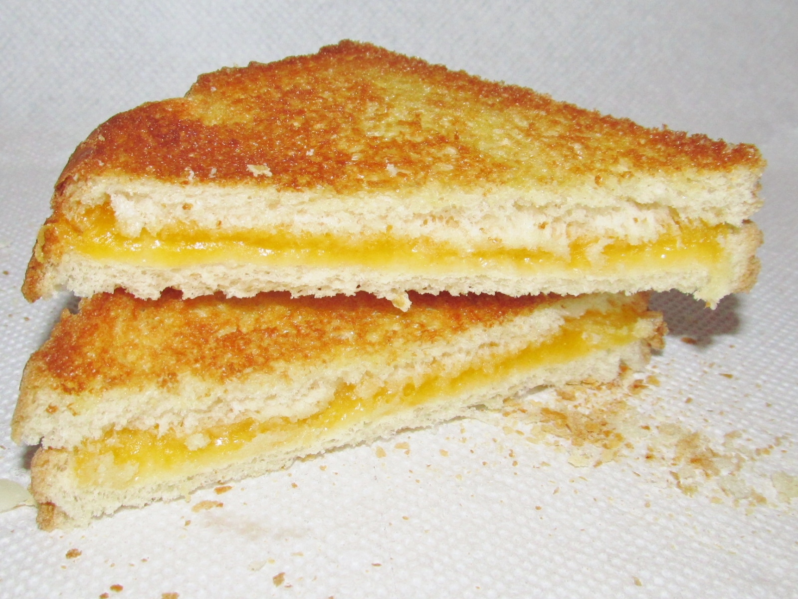File:Grilled Cheese Sandwich (16938984390).jpg - Wikimedia Commons