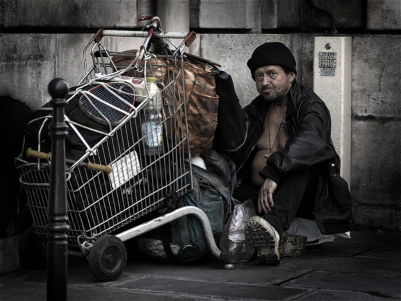 File:HomelessParis 7032101.jpg