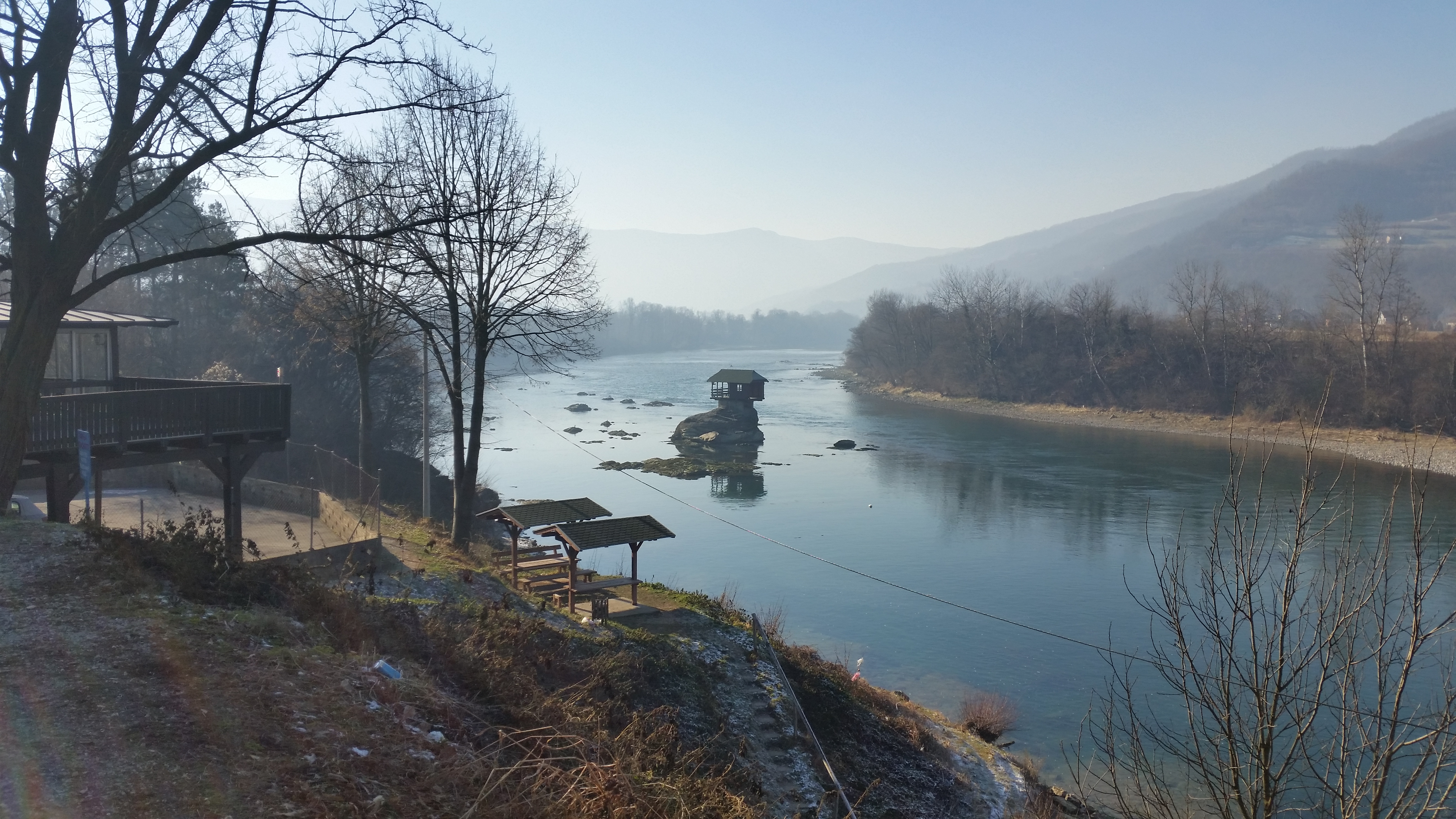 File:House On River Drina 2